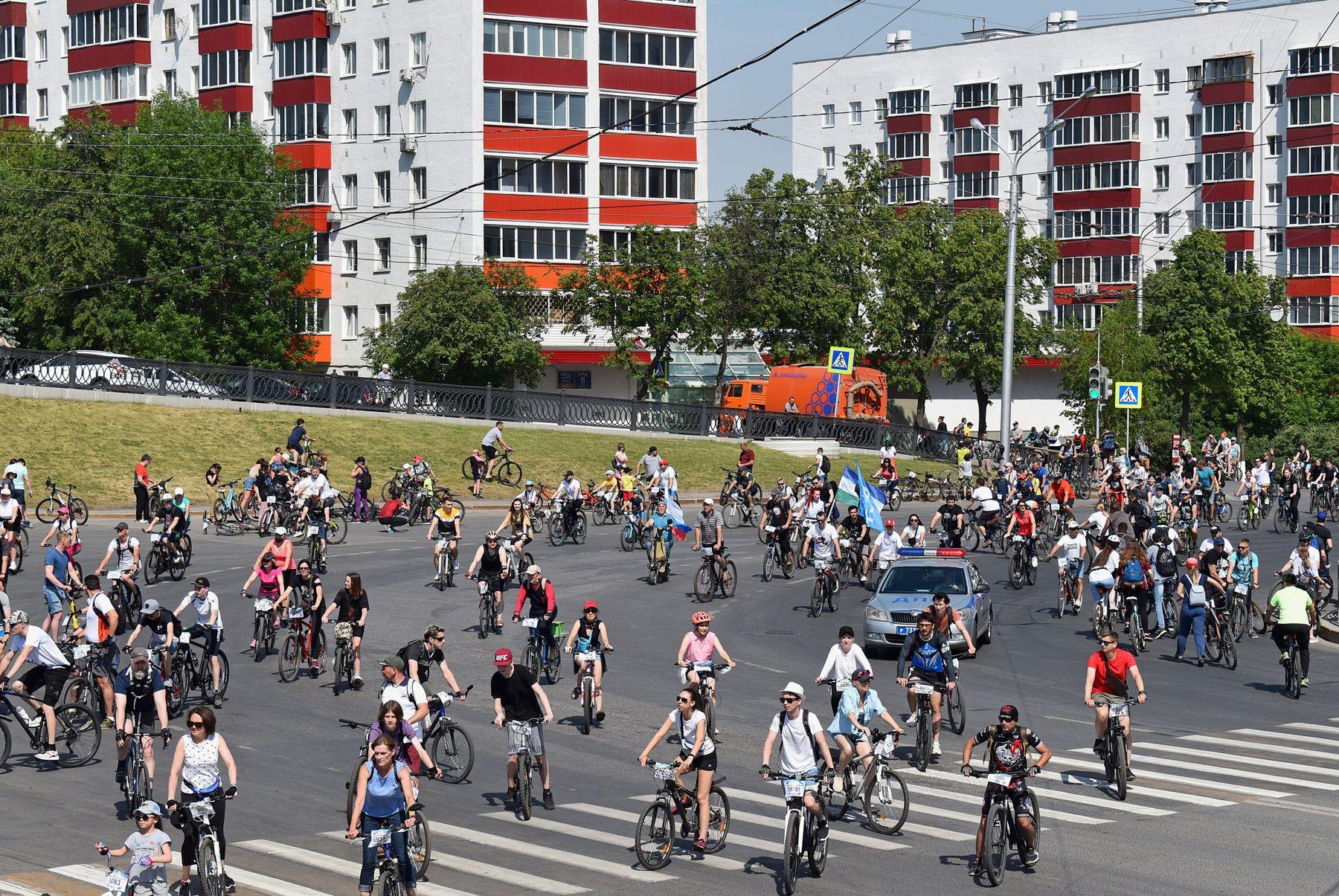 Велонашествие 2021 город улица велосипедисты