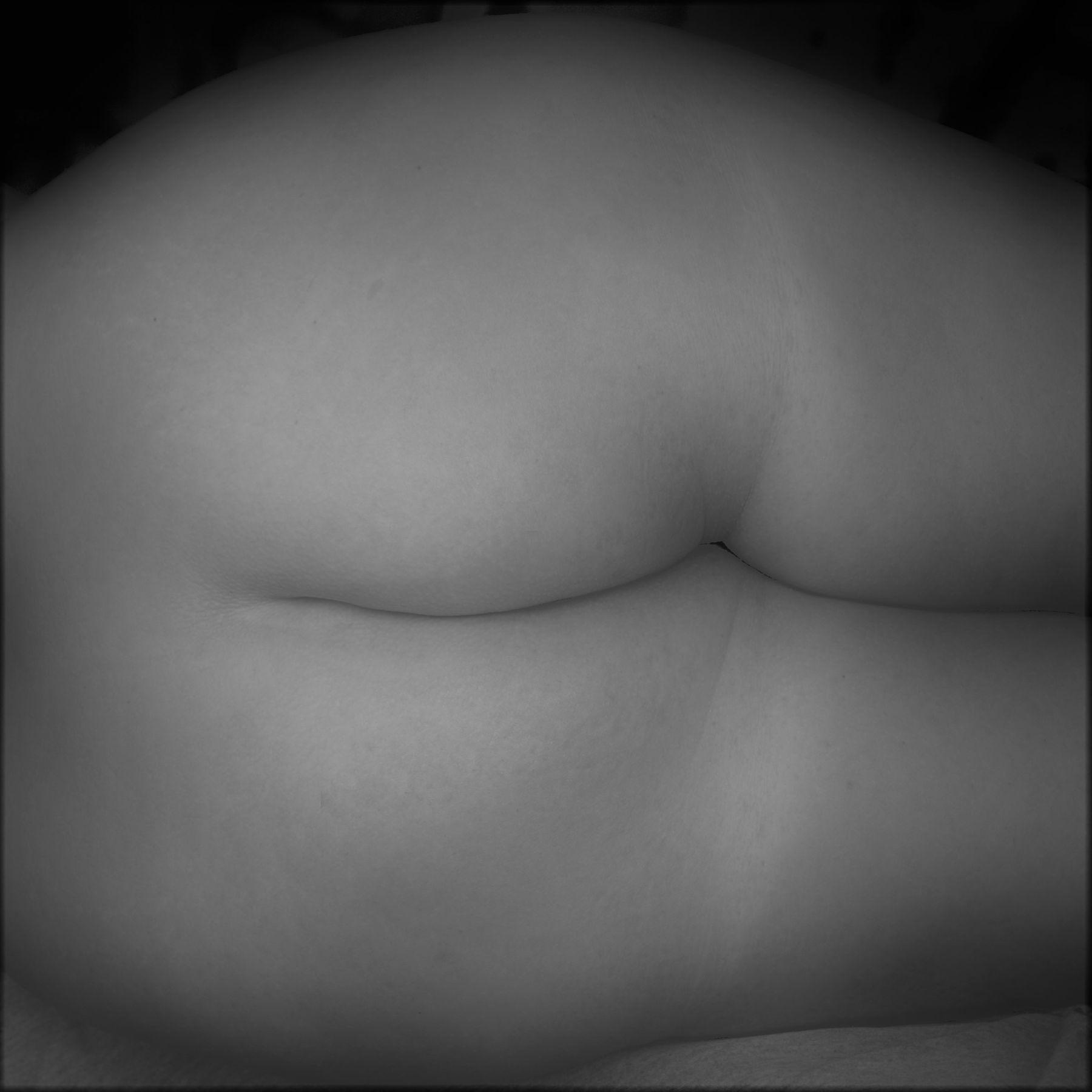 ***... женственность тела обнаженная женщина фигура больших размеров модель