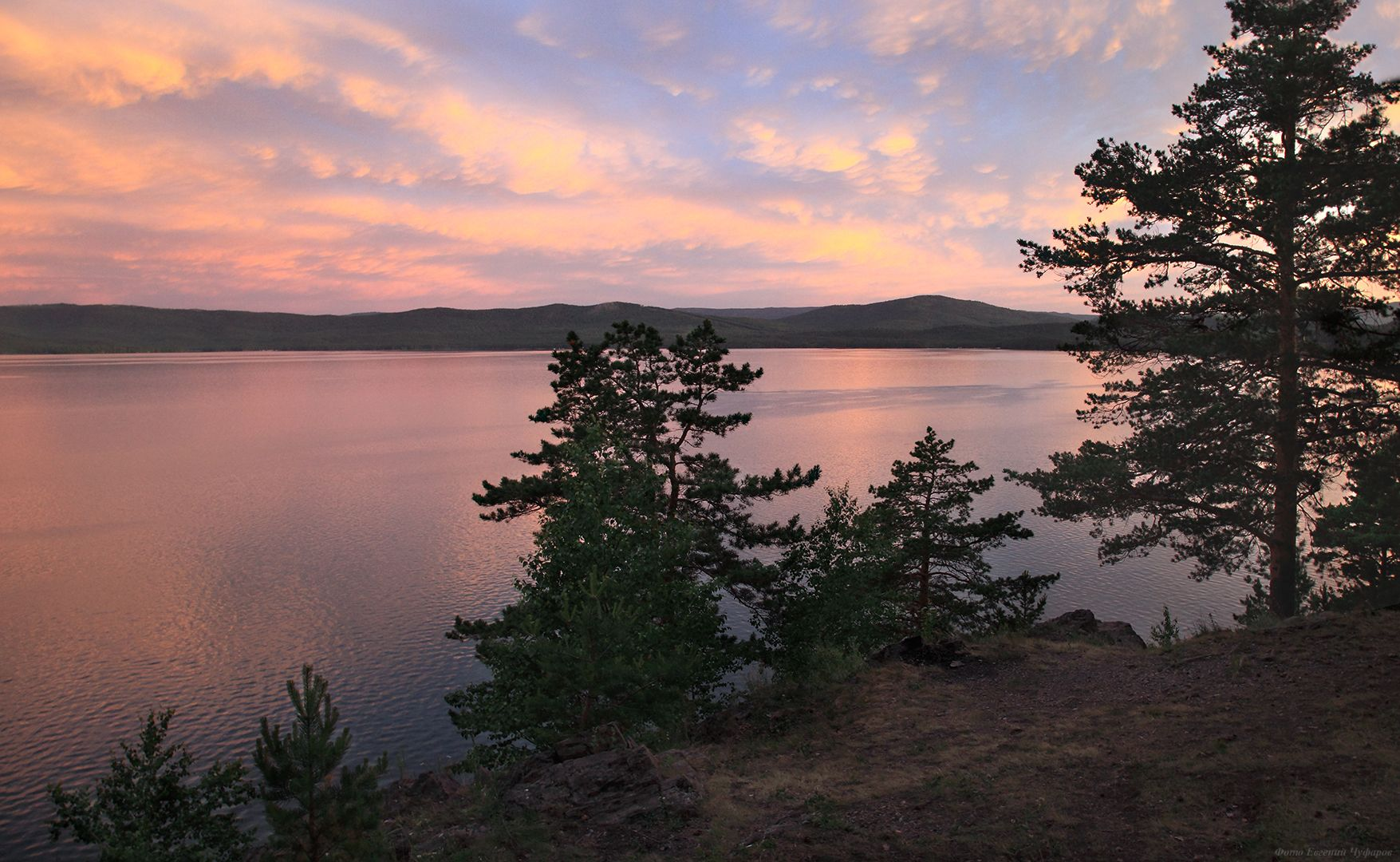 Краски восхода на озере Тургояк Восход озеро Тургояк Южный Урал