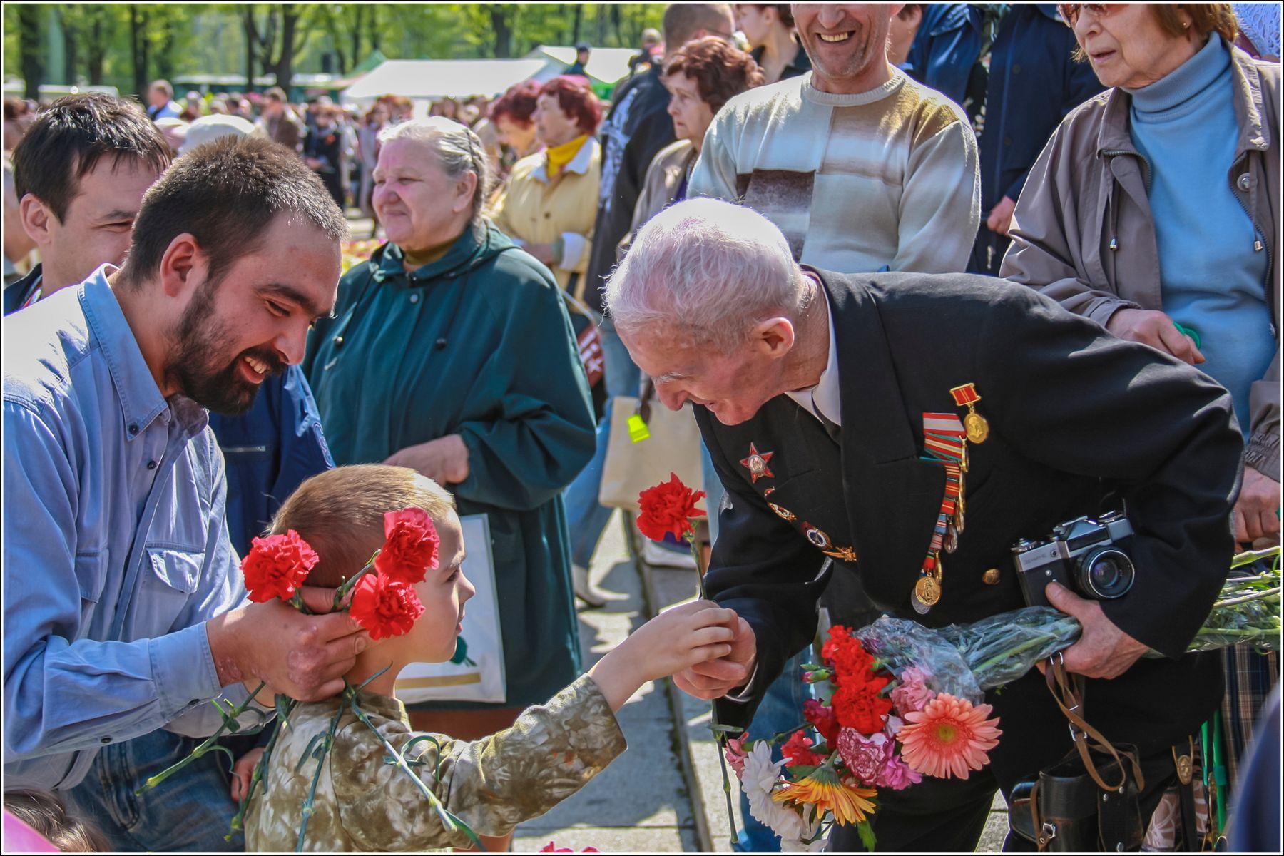 В День Победы.2008 год рига fitter36 весна победа ветераны 9 мая