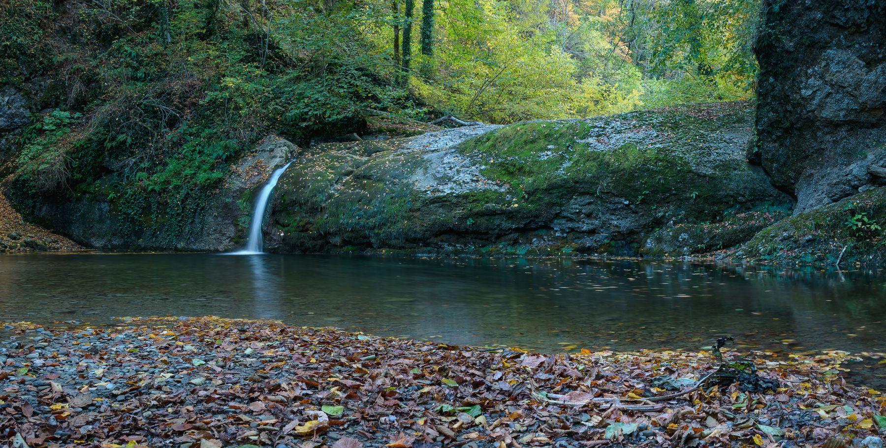 АЮКСКИЕ ВОДОПАДЫ. водопад ущелье лес Краснодарский край