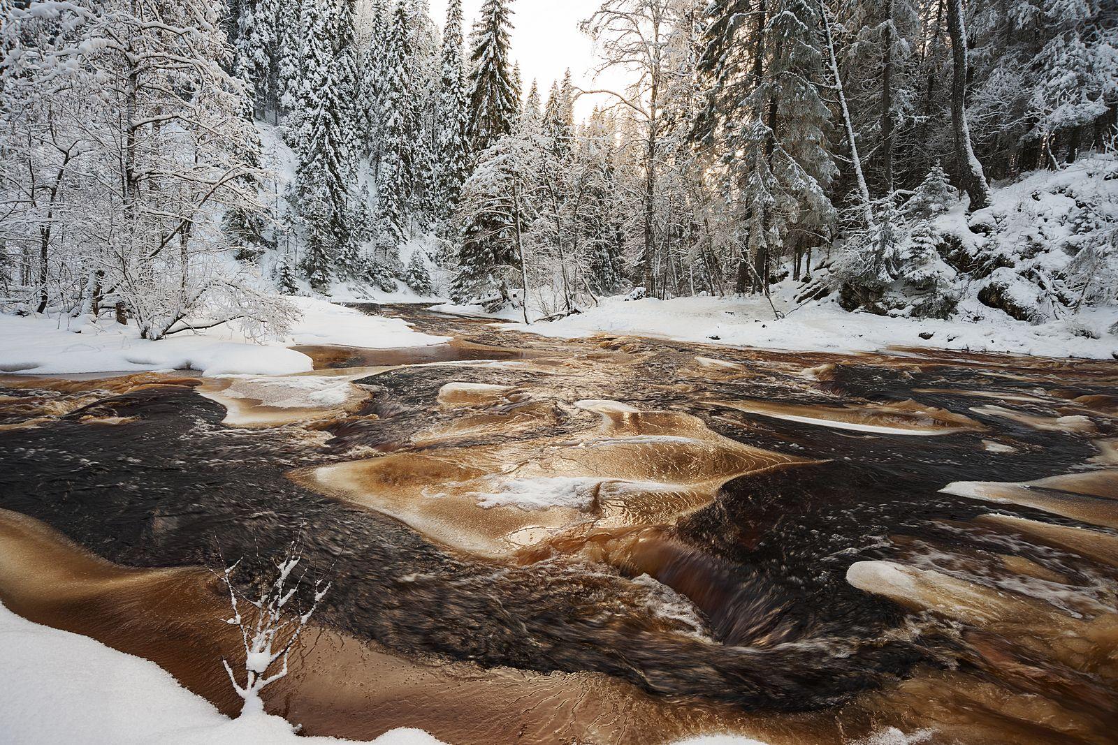 Зимняя кровь Тохмайоки. Водопад на реке Тохмайоки Карелия зима
