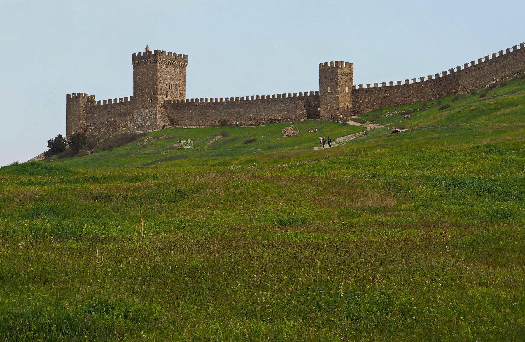 В Генуэзской крепости
