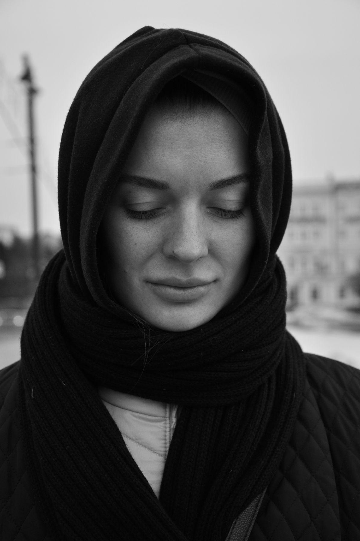 19.03.20. Портрет. портрет уличная фотография чёрно белая девушка
