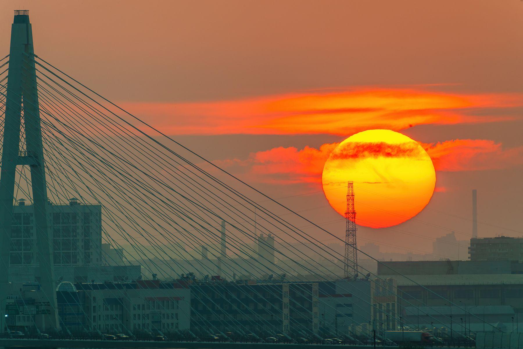Облачный закат санкт-петербург вантовый мост солнце лето закат облака