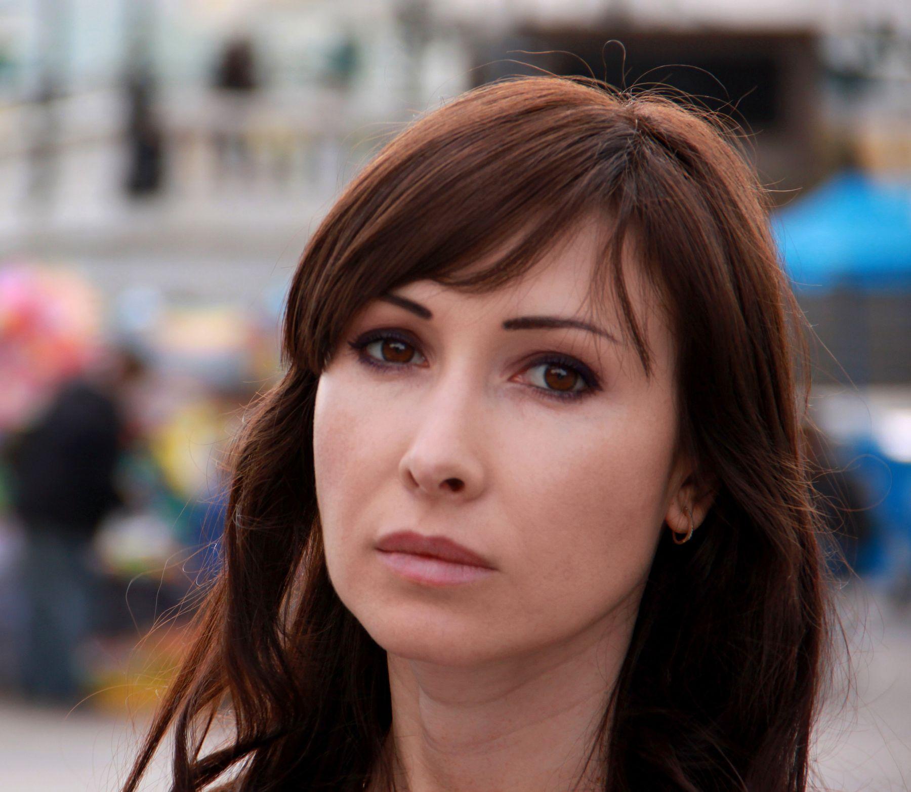 Прохожая люди лица портрет уличный стрит репортаж женщины