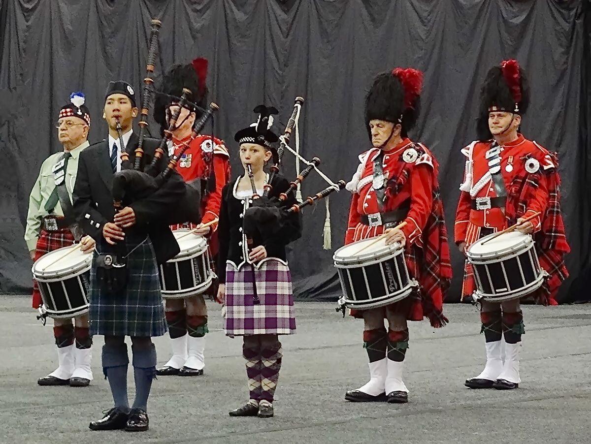 Волынщики*** музыканты день культуры Шотландии