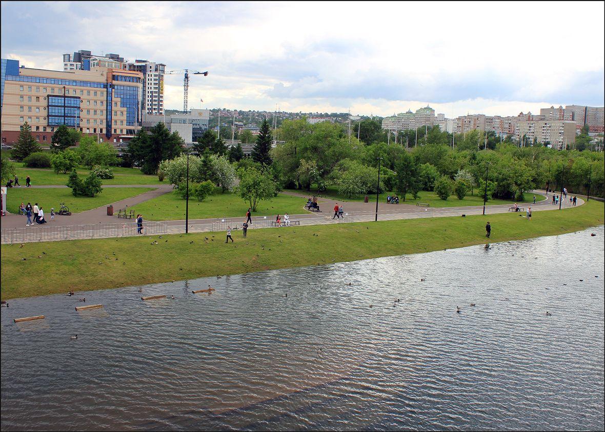 Набережная ушла под воду Наводнение Красноярск Енисей