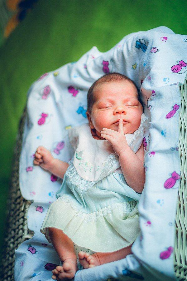 A baby girl Baby newborn новорожденный малышка девочка