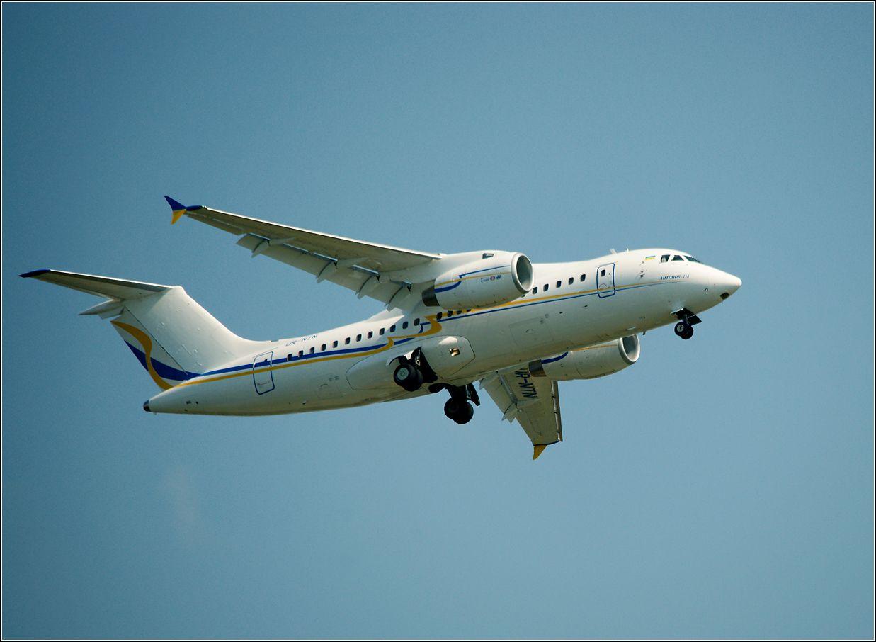 Ан-158 Ан-158 авиация самолет полет Жуковский МАКС-2011