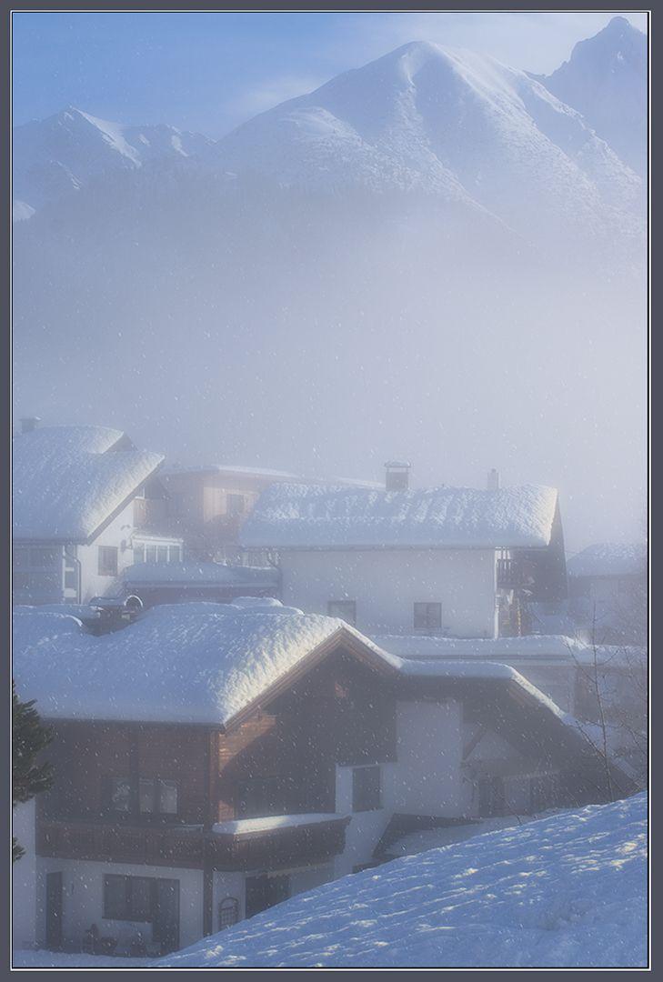 Январское снежное утро в Зеефельде снегопад зима январь снег сугробы Зеефельд Австрия утро горы туман