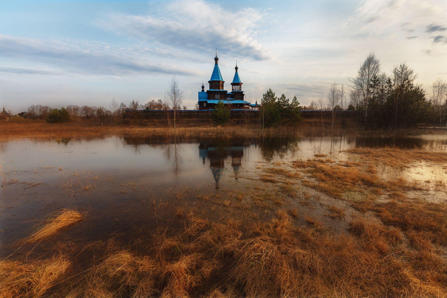 Церковь жён-мироносиц в Крутово на закате Владимирская область Крутово закат разлив церковь жён-мироносиц