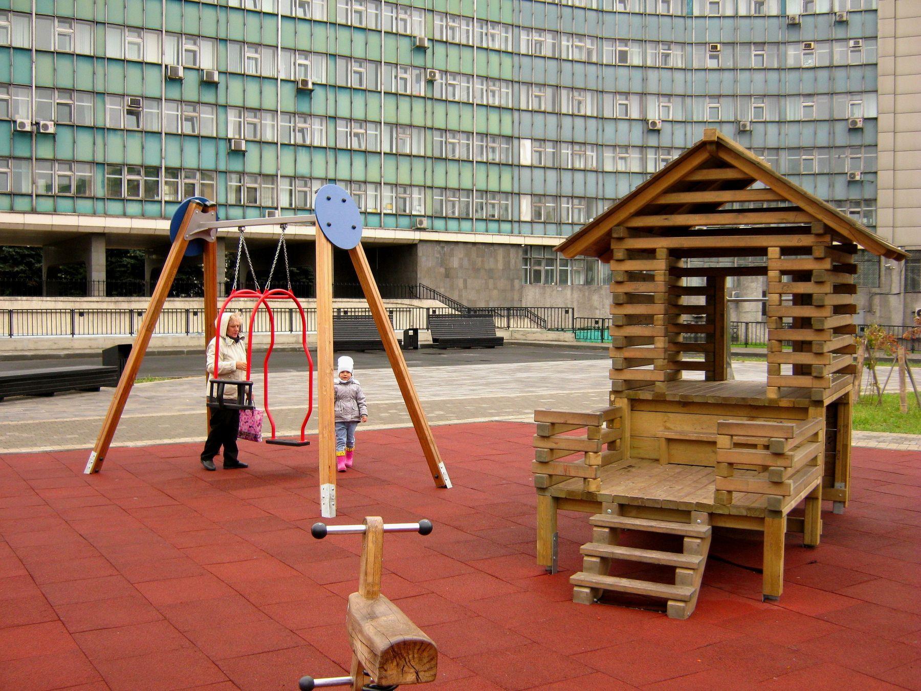 Детская площадка. Путешествия жанр детский мир архитектура