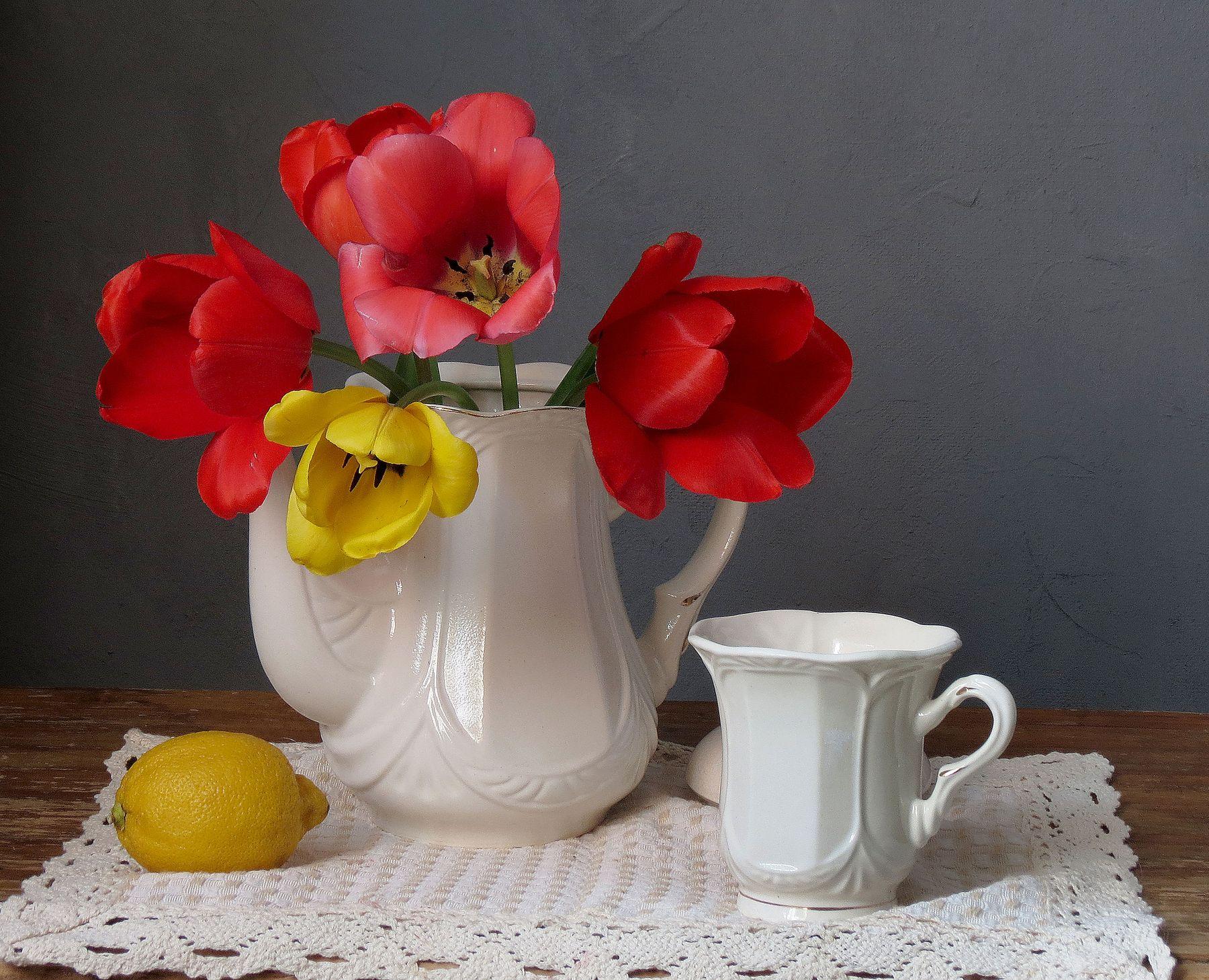 Ах. тюльпаны.нежные цветы...