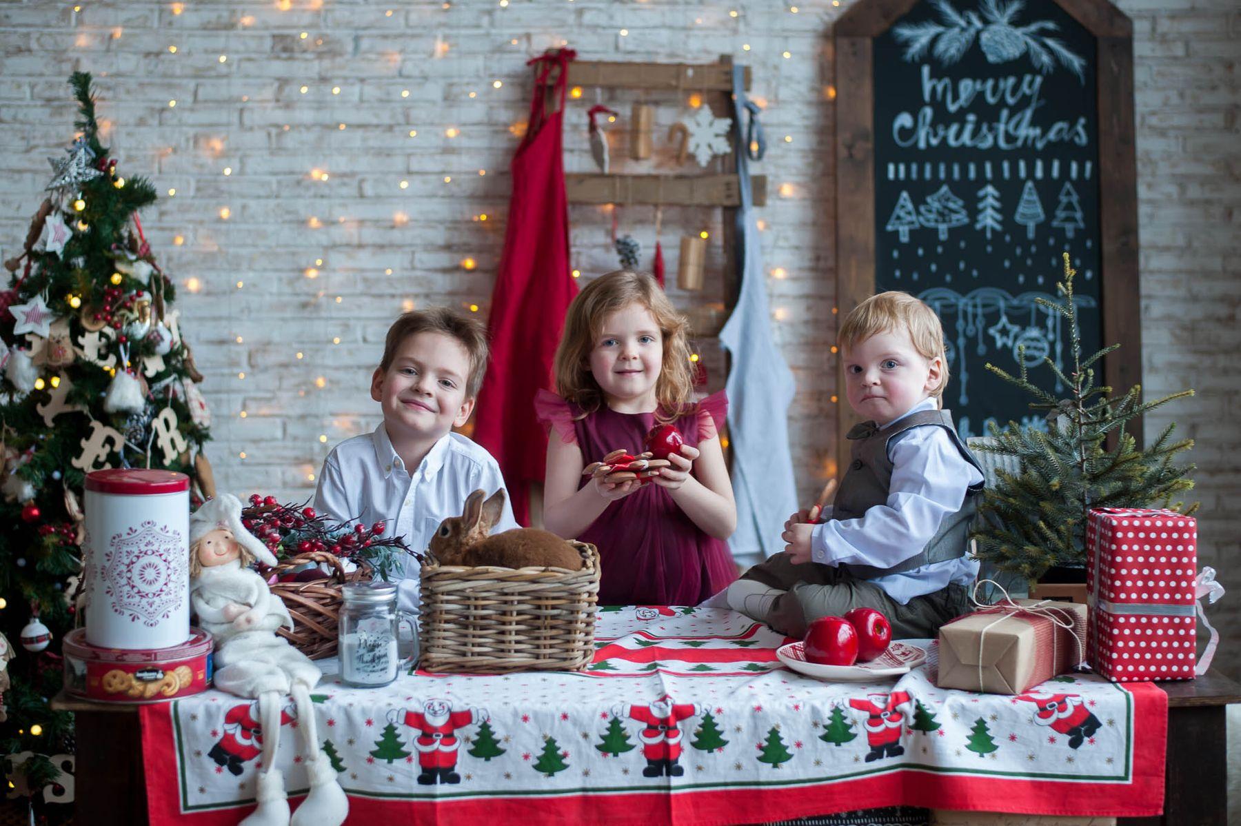 Зайки дети семья праздник