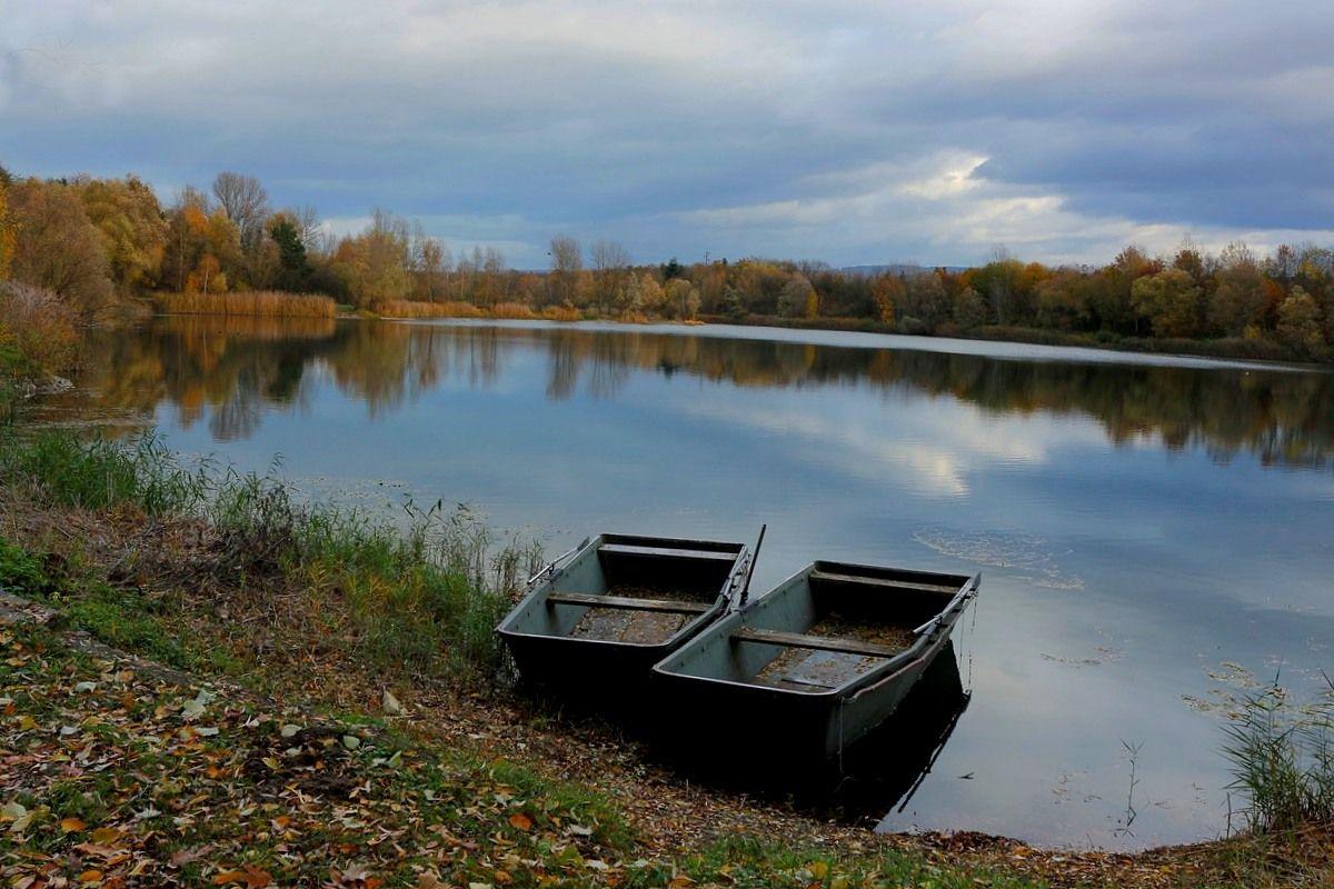 Осенняя Осень озеро лодки