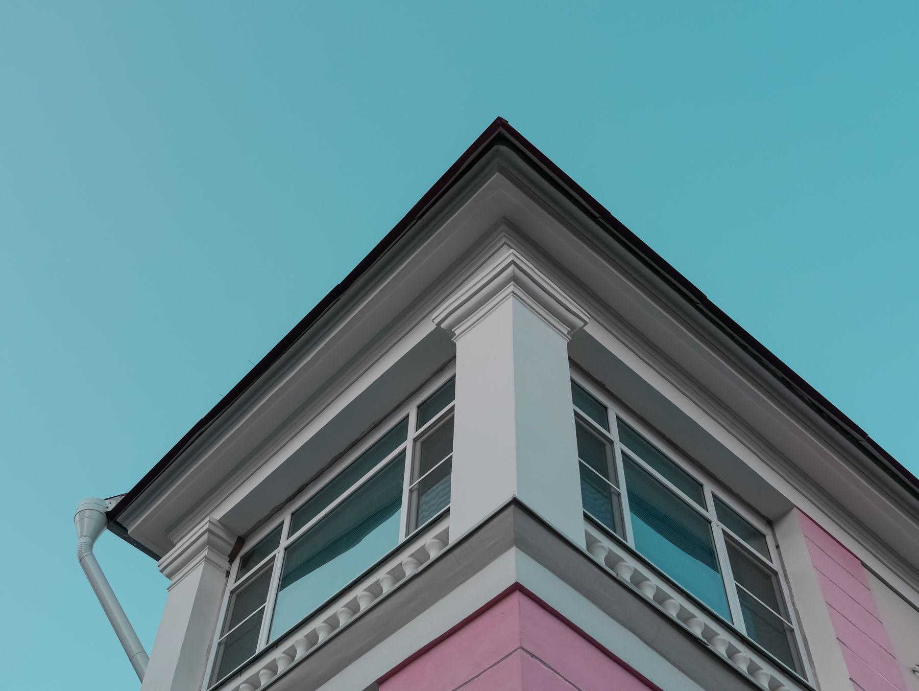 Угол дома с балконом Дом балкон небо