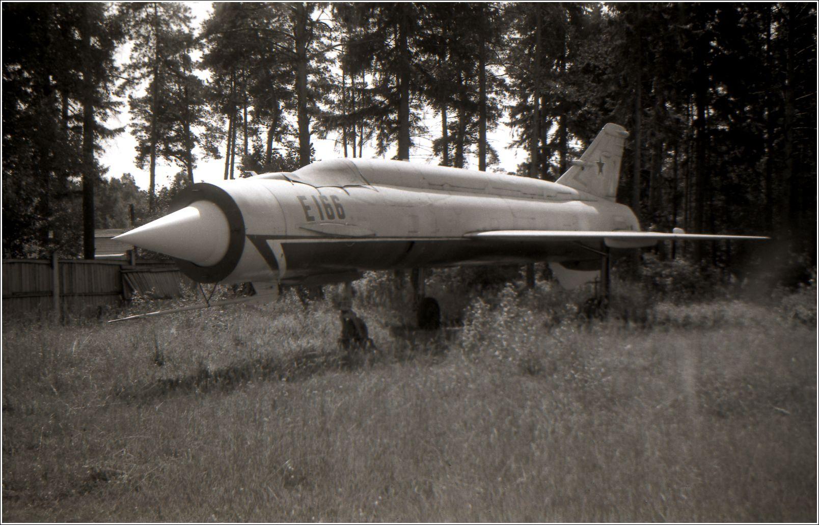 Е-166 (1986 год) Е-166 авиация самолет стоянка музей Монино 1986