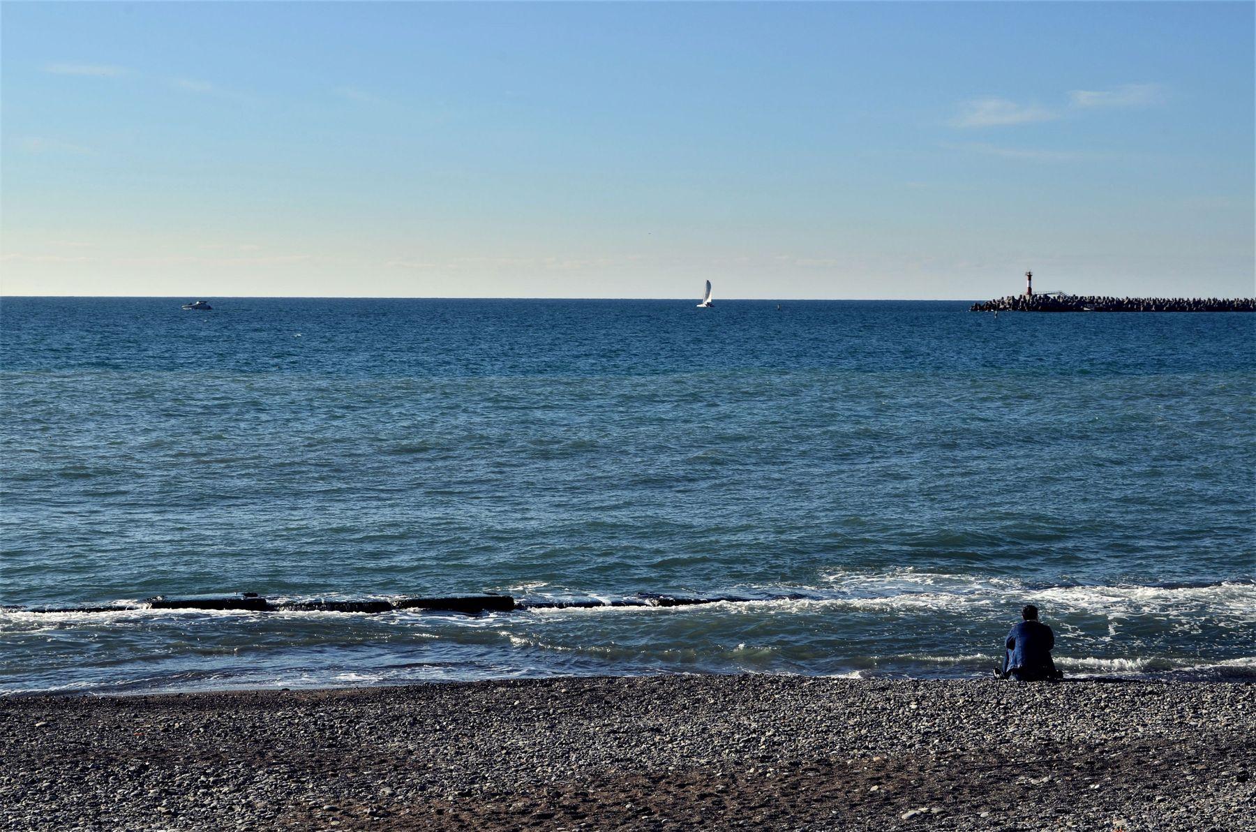 Человек и море.... море Сочи декабрь 2020 небо берег красота путешествие