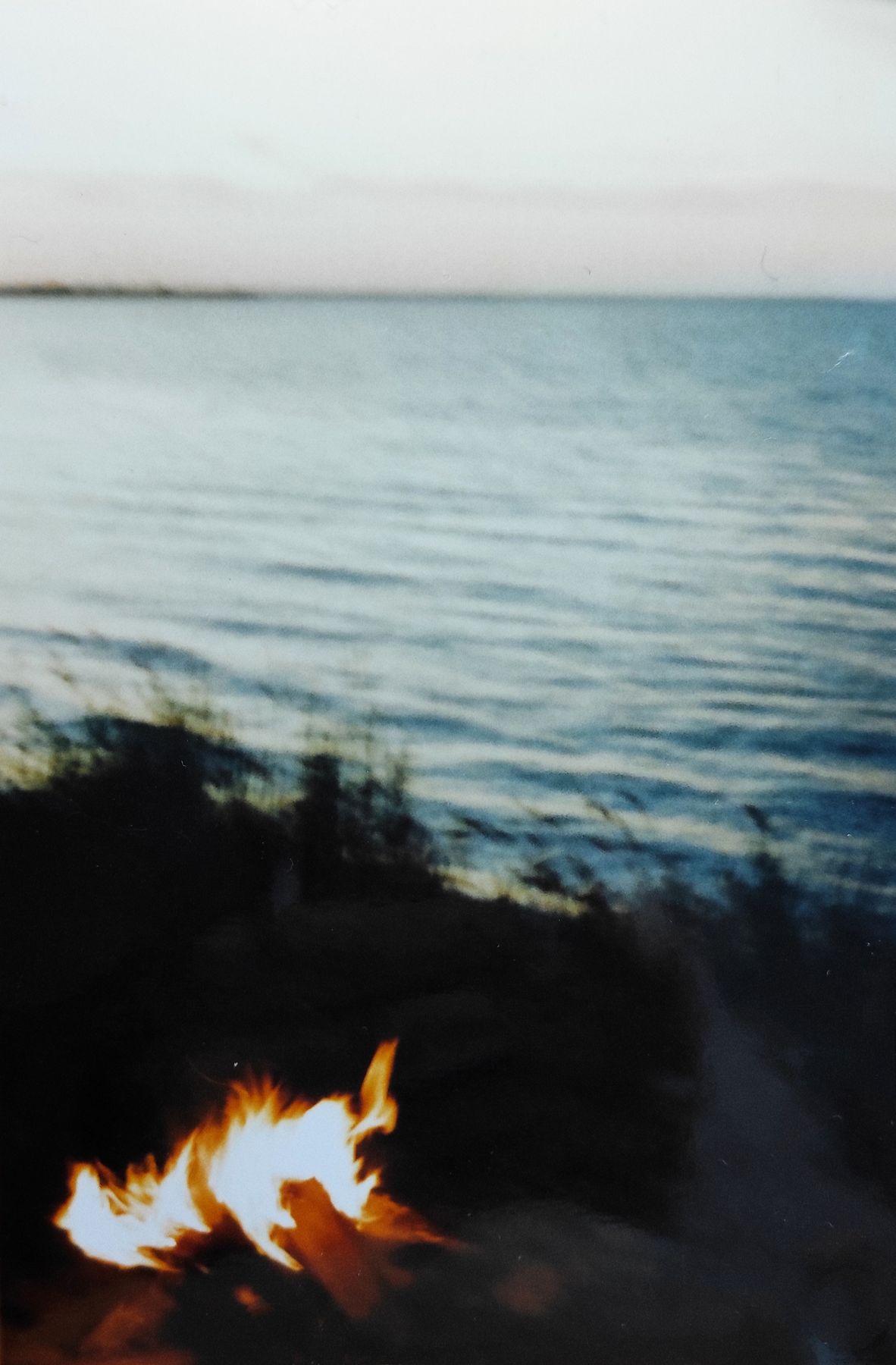 Костёр Плёнка костёр море Днепр река природа пейзаж