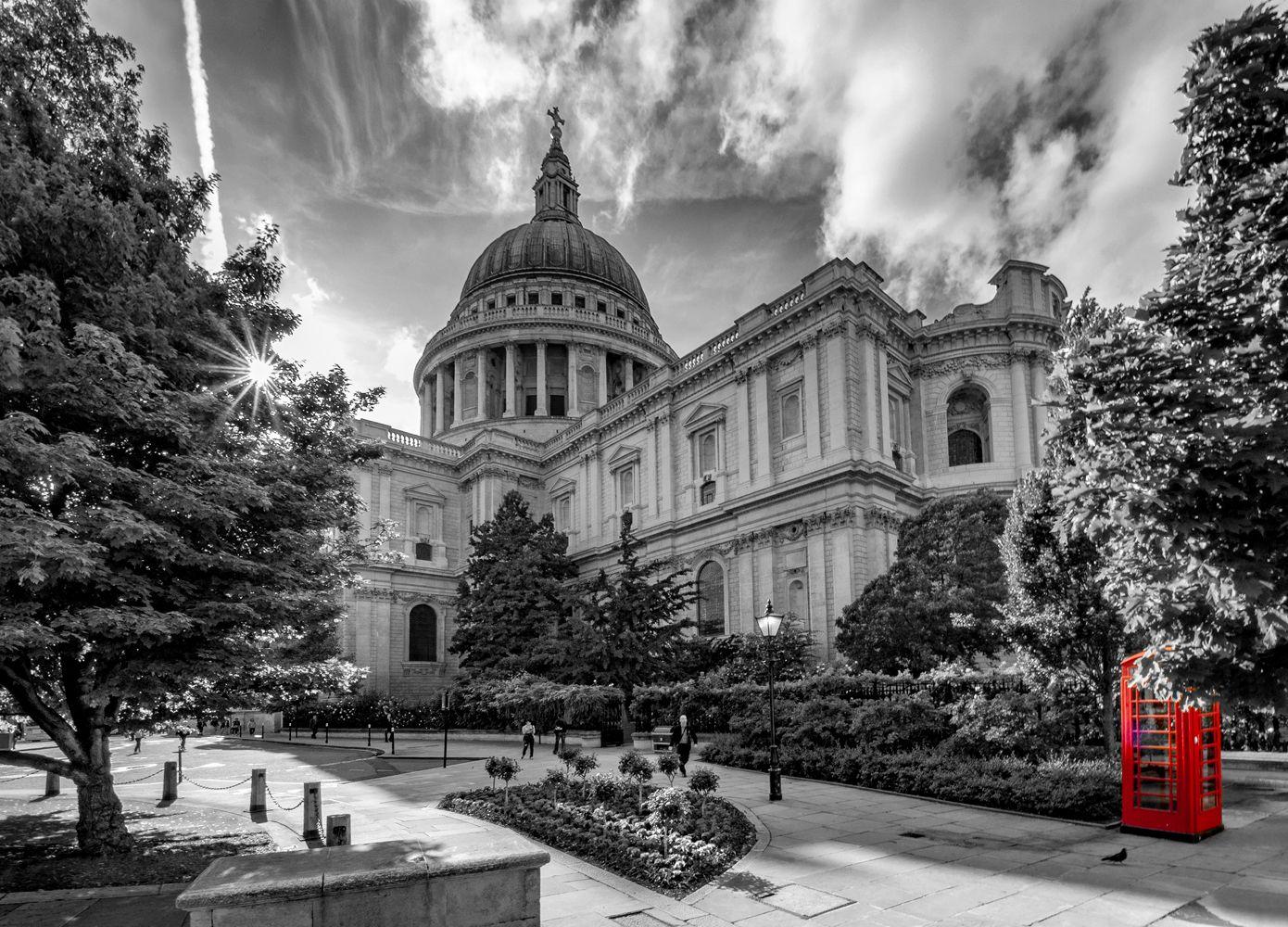 Сент-Пол и Красная будка Лондон СИТИ Собор Святого Павла Сент-Пол St.Paul's Cathedral