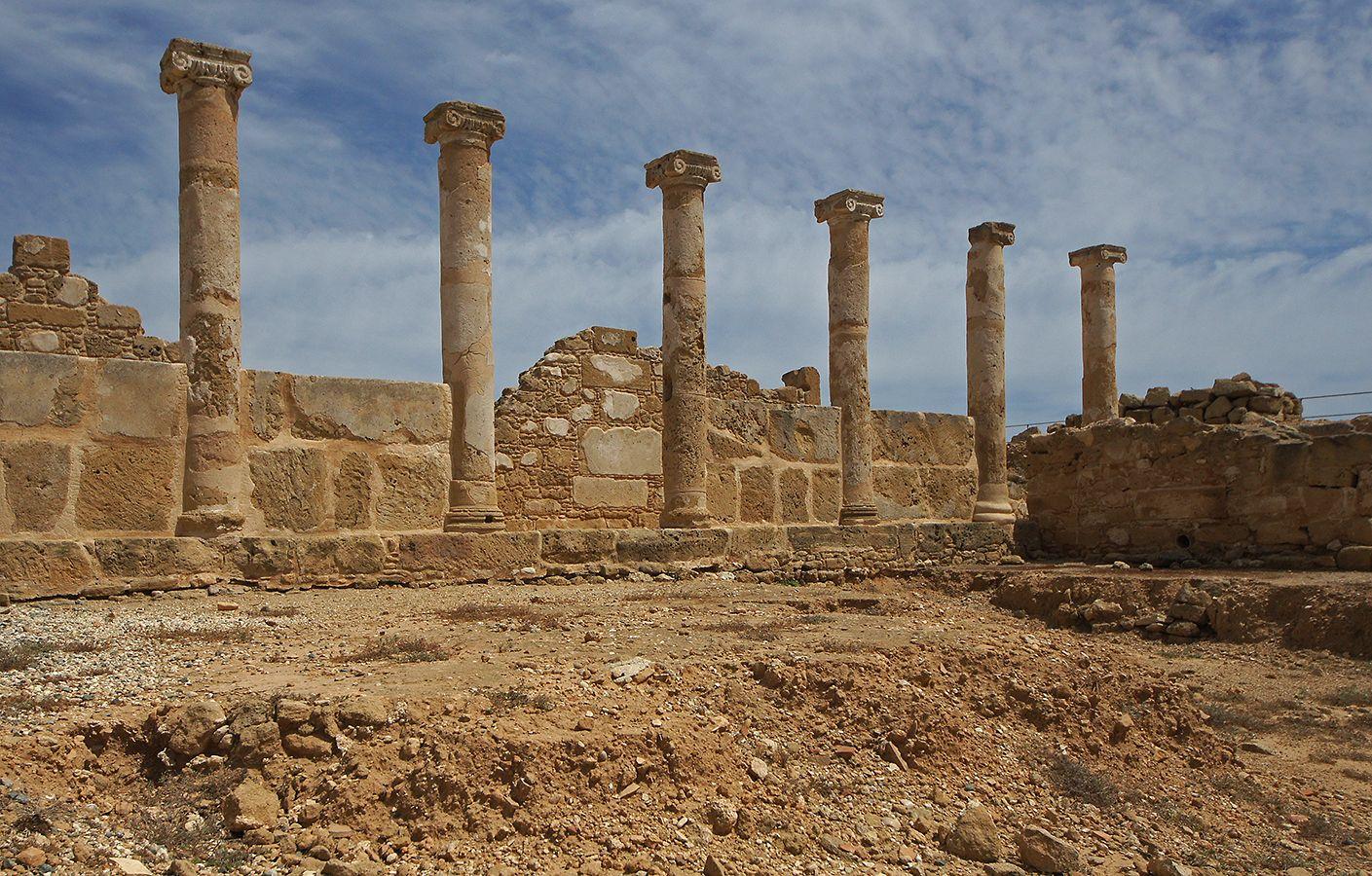 Под небом голубым.... Кипр Пафос развалины