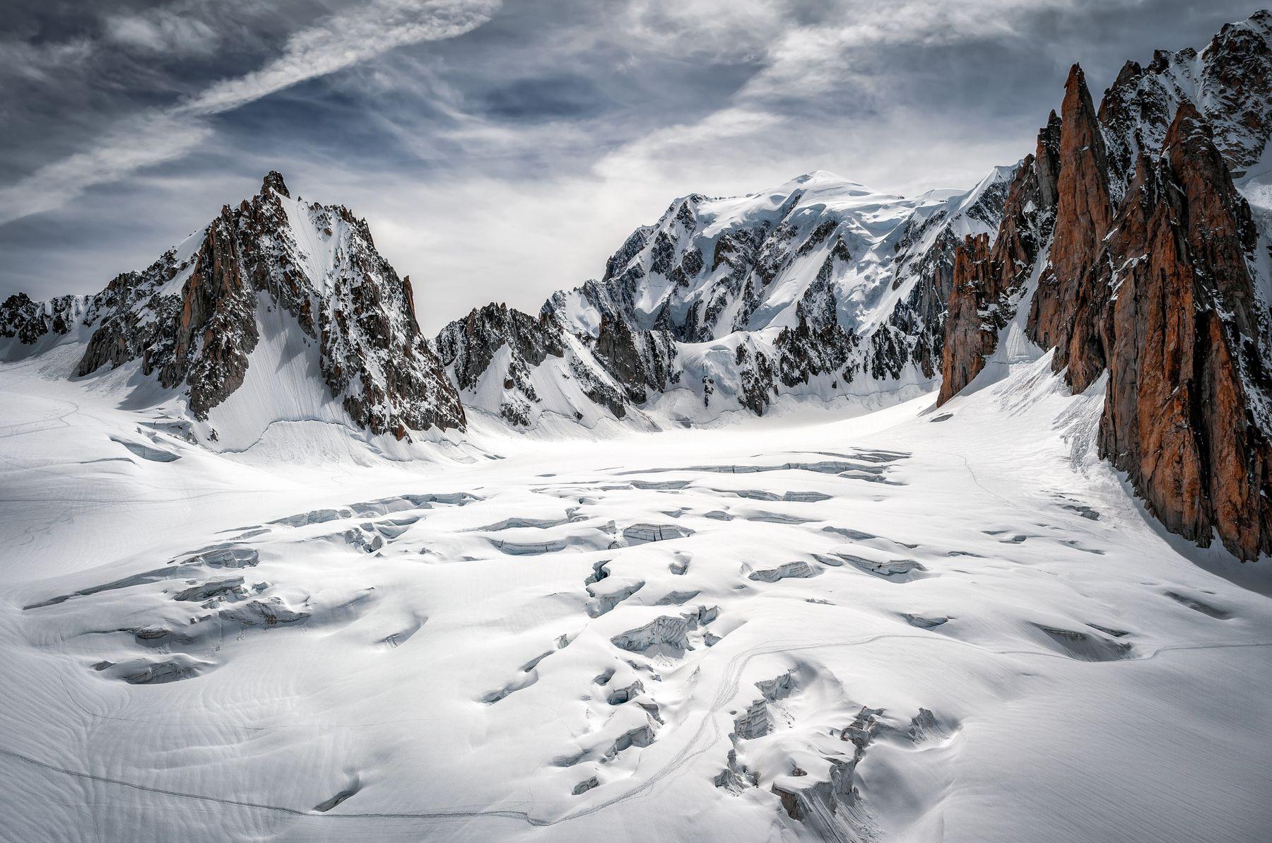 между разломами Альпы