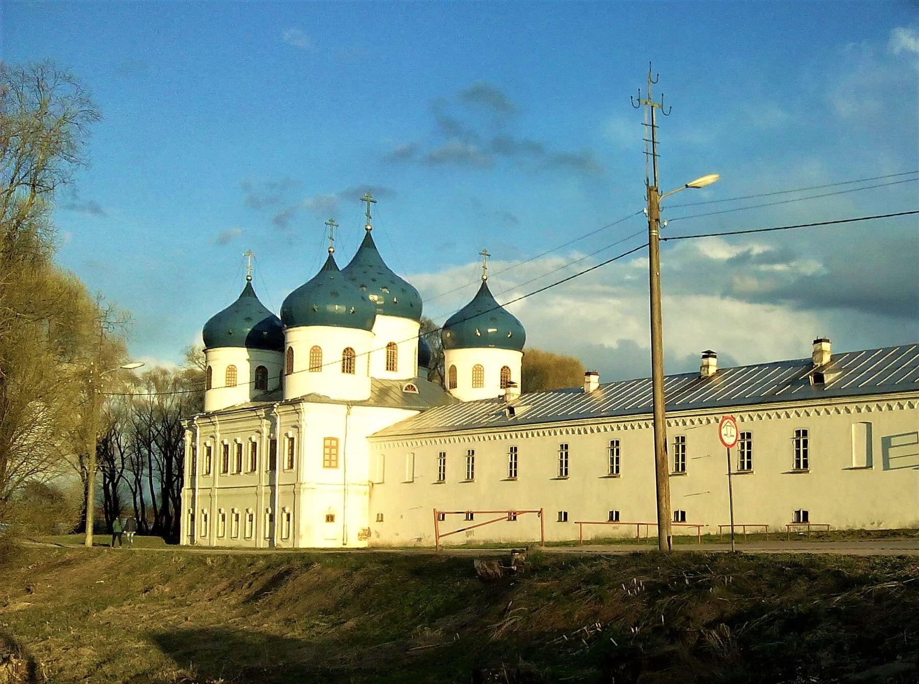 Новгород из окна авто