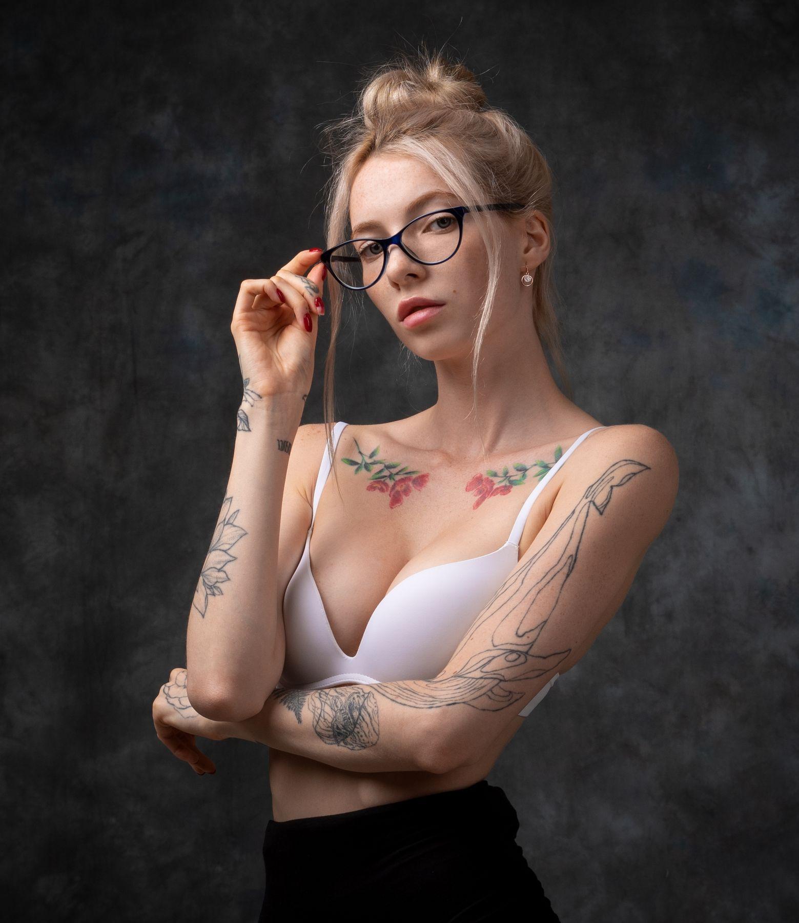 Александра Студийный портрет Арт красивая девушка женский фотосессия будуар
