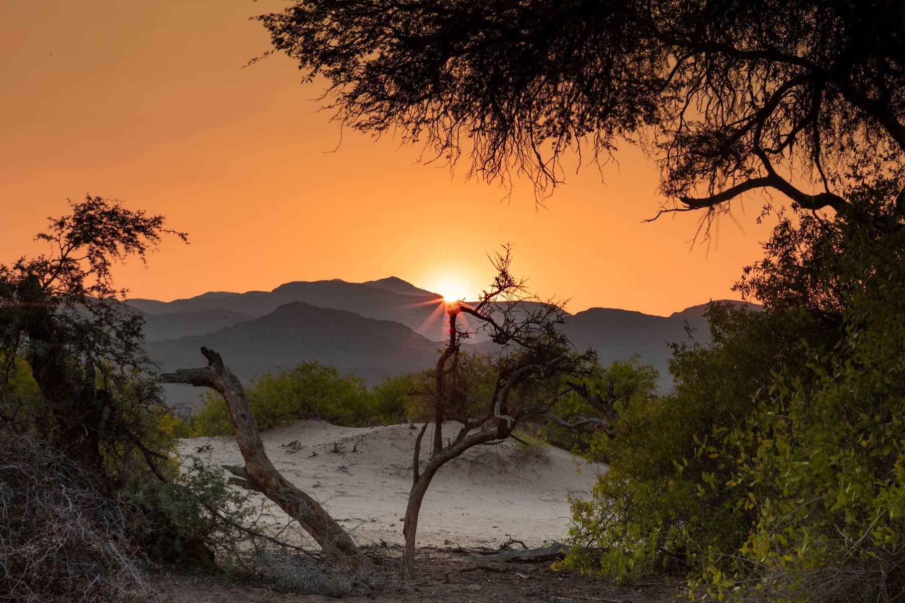 Закат в дюнах африка намибия путешествия сафари