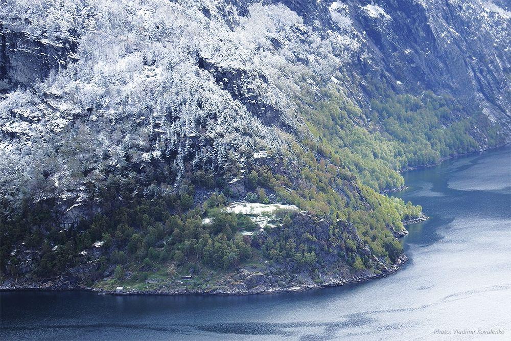 Времена года. Весна. Норвегия весна май фьорд снег