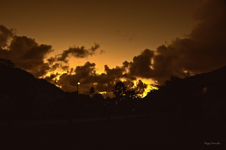Желтый закат***