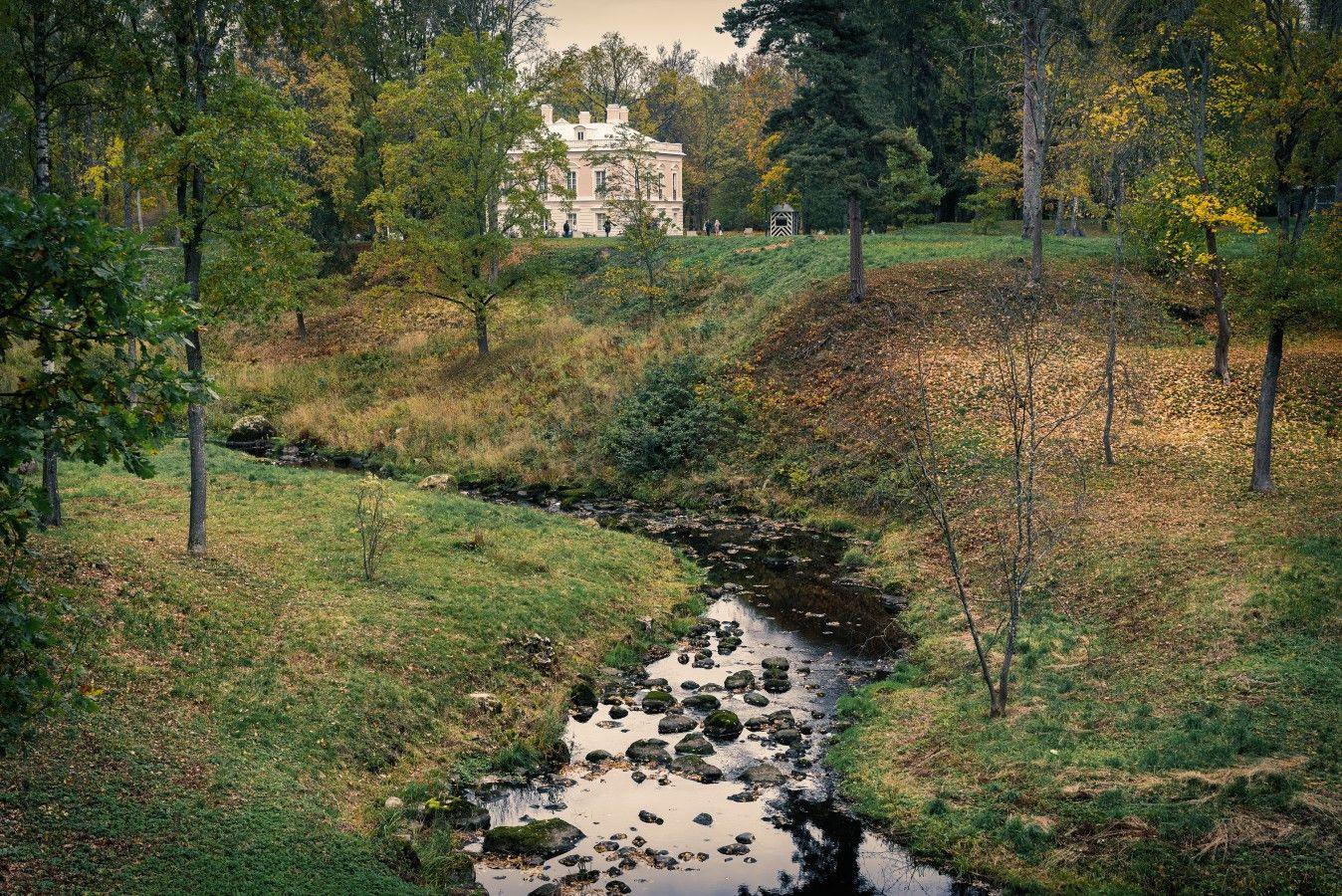Пейзаж с дворцом Петра III петербург ораниенбаум парк осень река