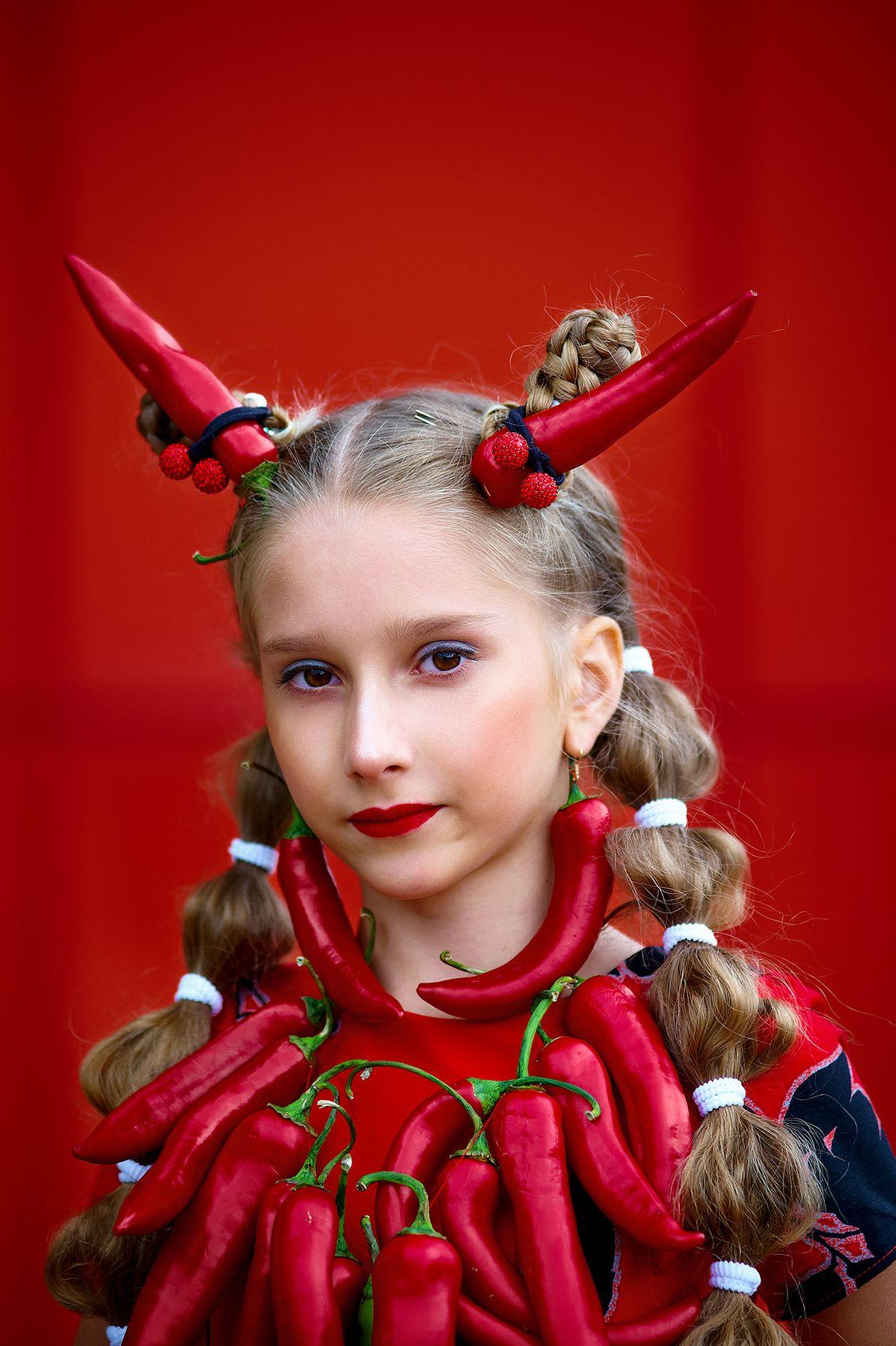 Перец перец портрет девочка красный горький