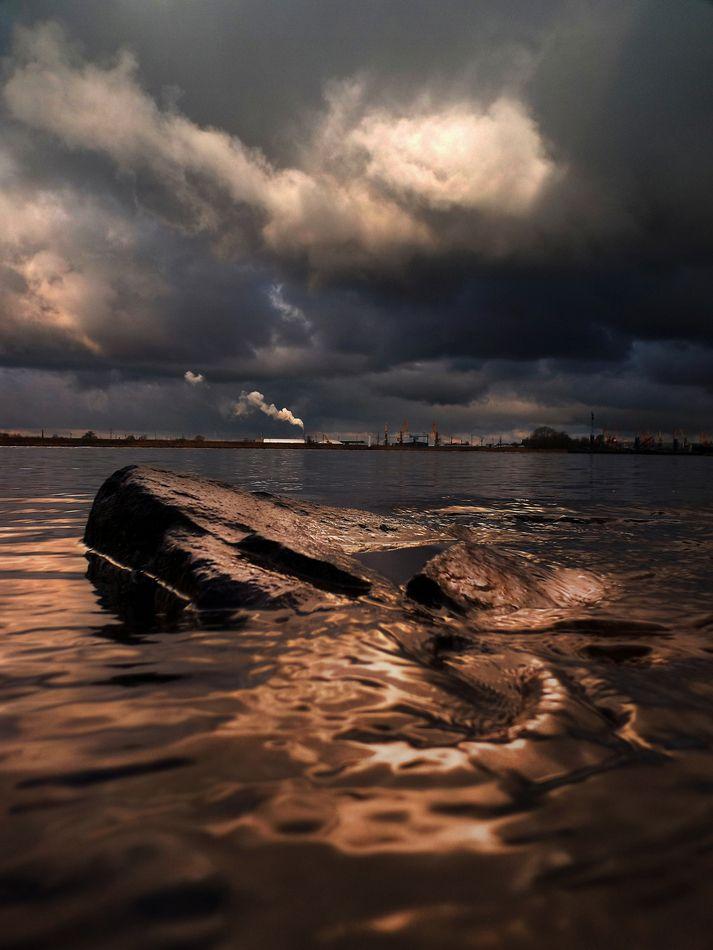 *** Река.канал.камни.облака 29.04.2020