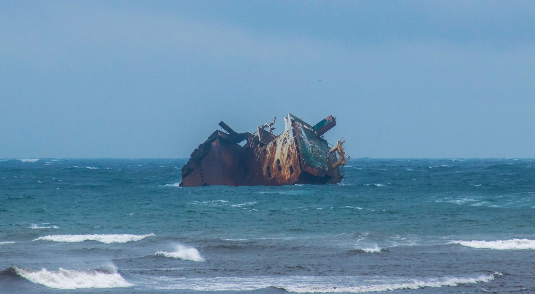 Погибший корабль Ибрагим-Яким на мели судно катастрофа путешествие Крым Тарханкут