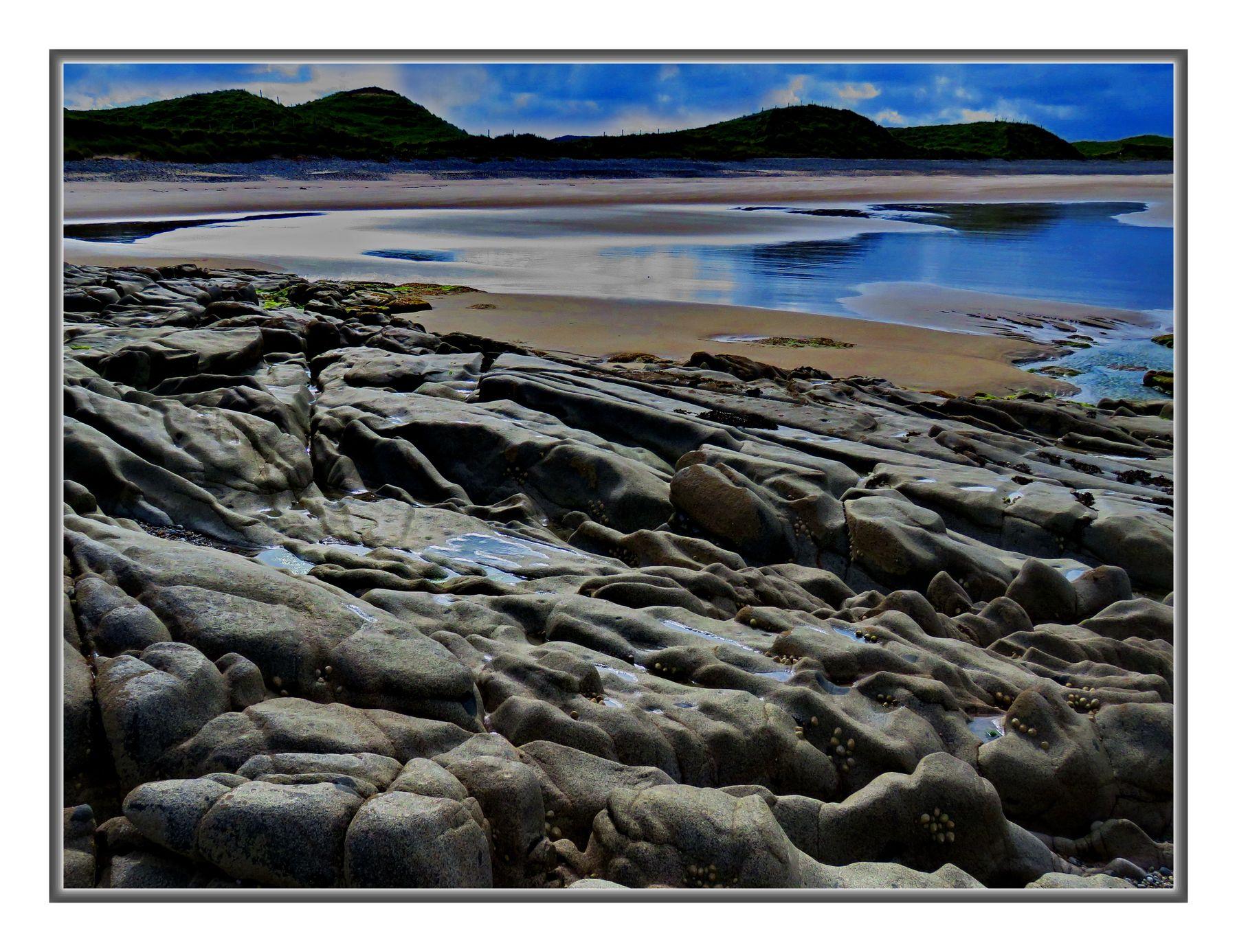Каменистая лагуна Пейзаж с каменистыми берегами