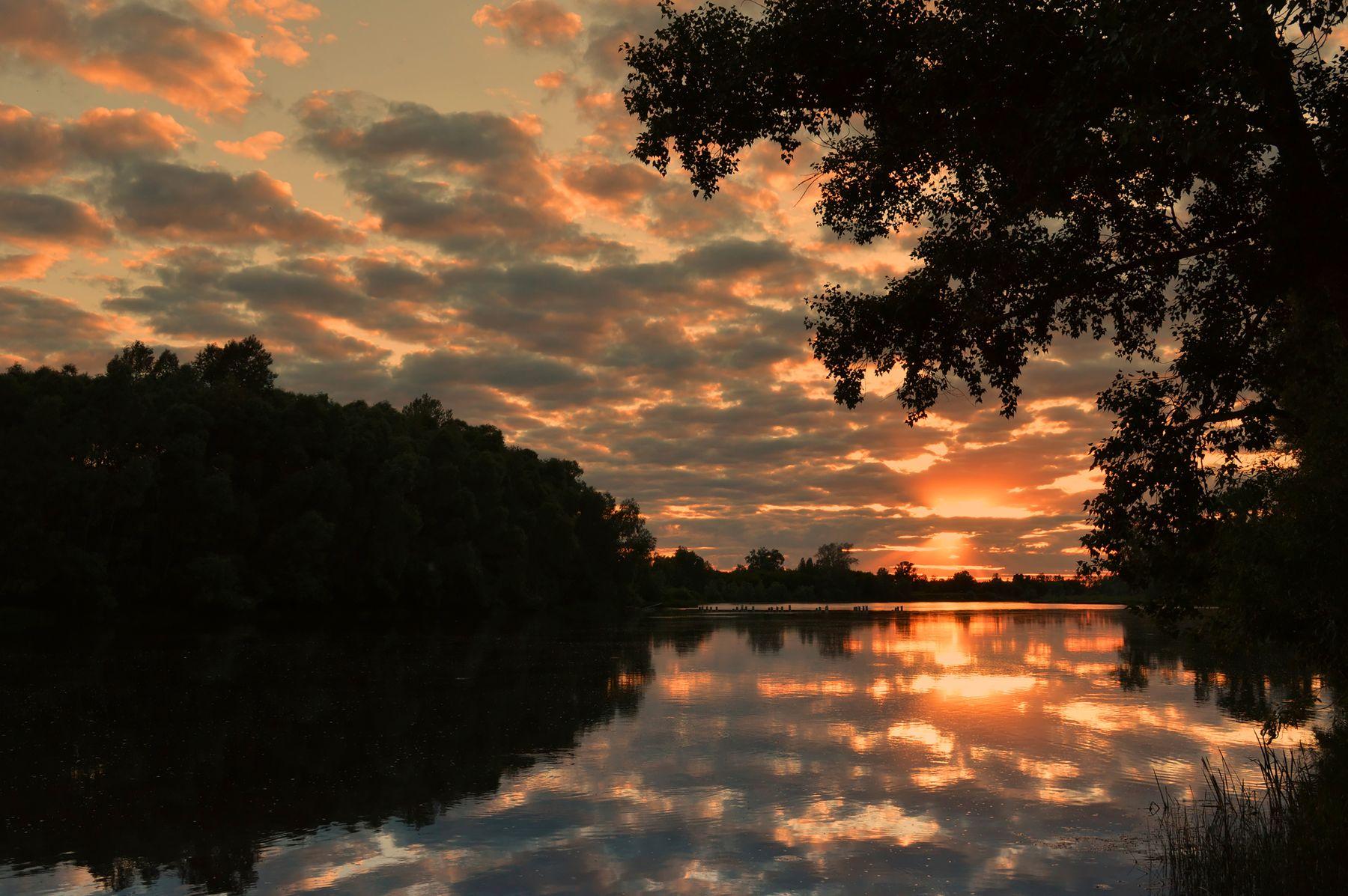 Закат на реке Белая