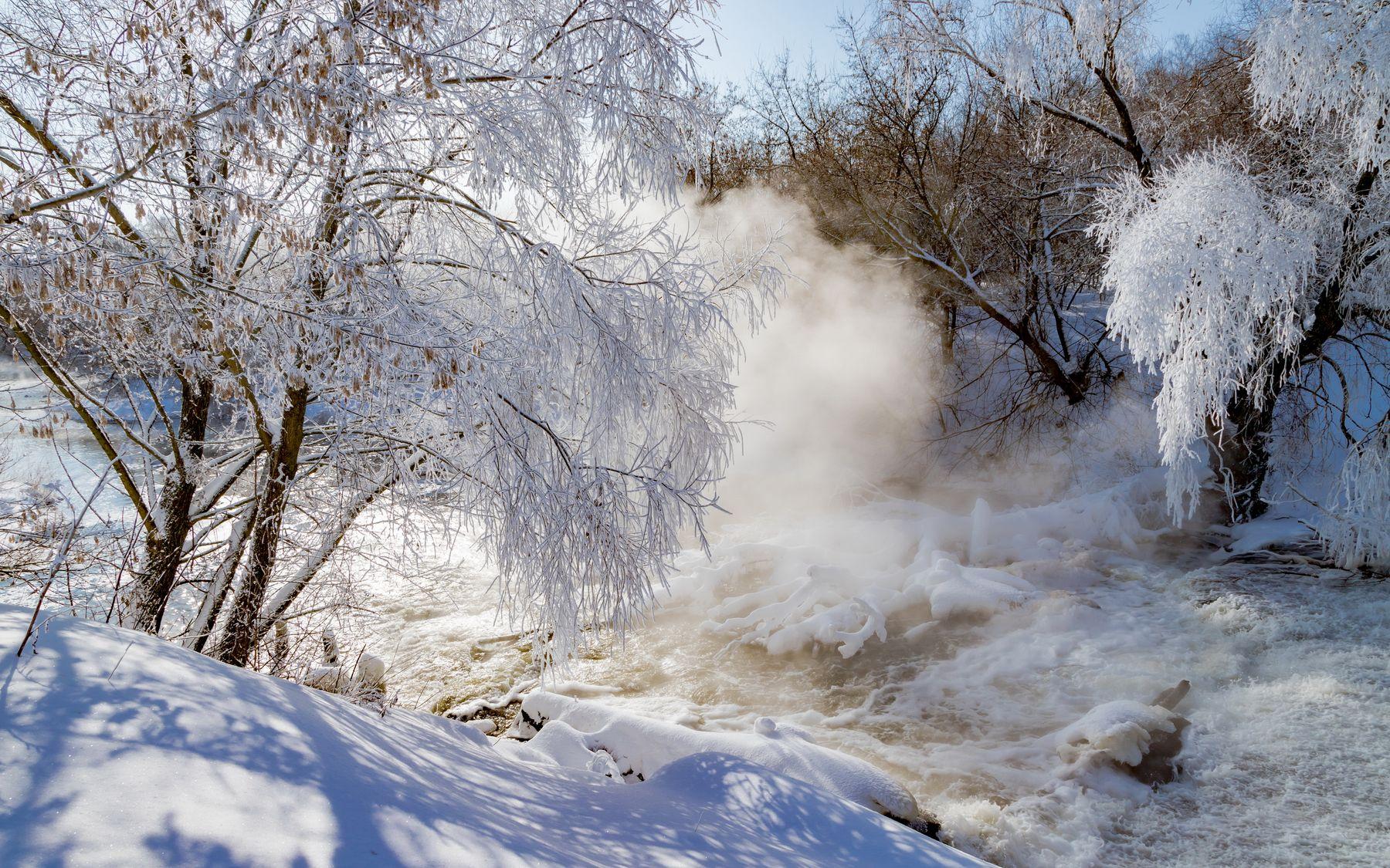 Туман в мороз рождает иней