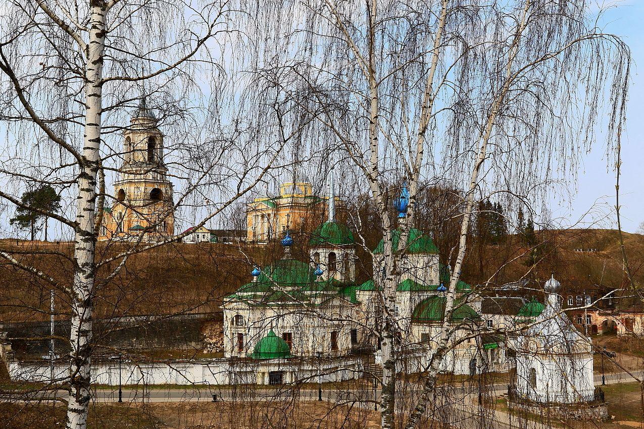 Храмовый комплекс Рождества Пресвятой Богородицы и Параскевы Пятницы в Старице. Старица храм церковь