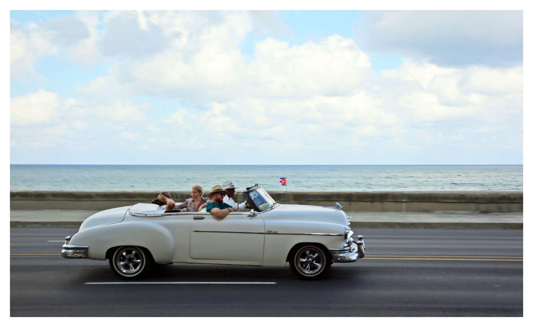 La Habana,mi ciudad cuba la habana vieja libre isla bonita malecón retrocar oldsmobile