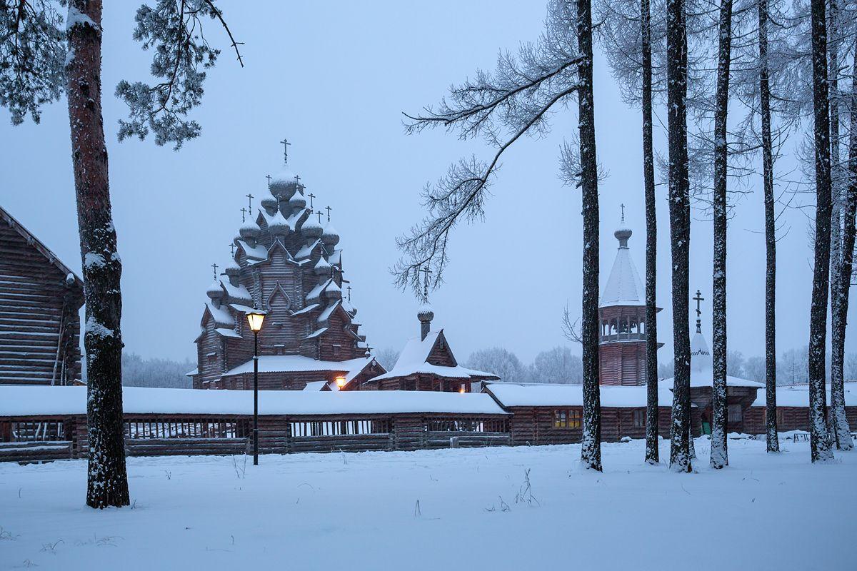 Счастливого Рождества! Комплекс Усадьба Богословка Ленинградская область зима сумерки снег