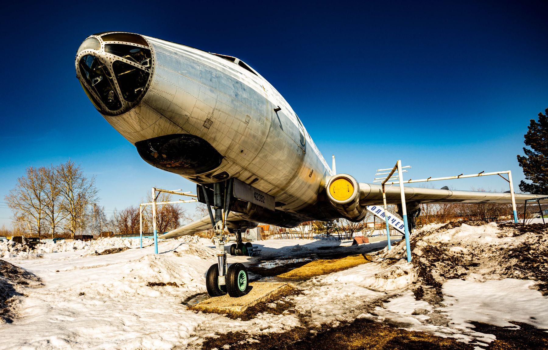 Самолет самолет ту104