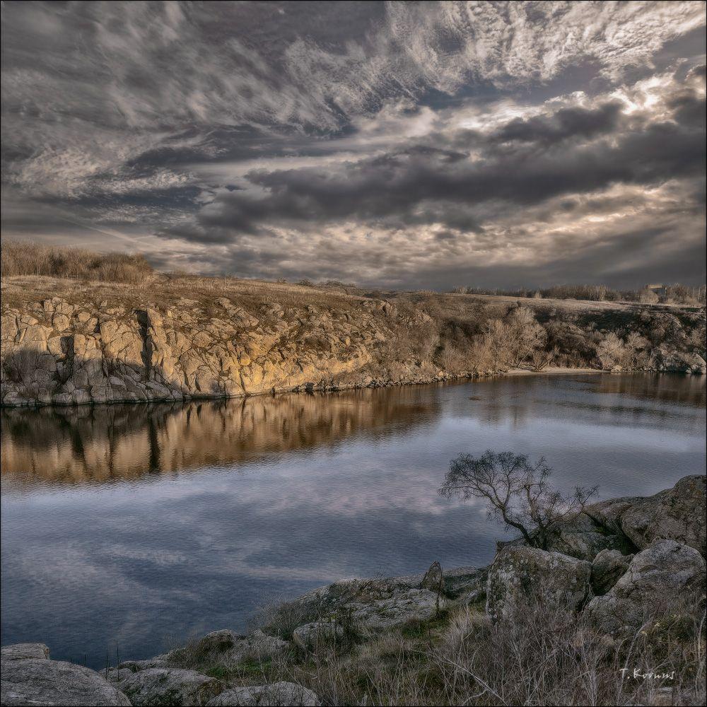 *** река скалы остров осень