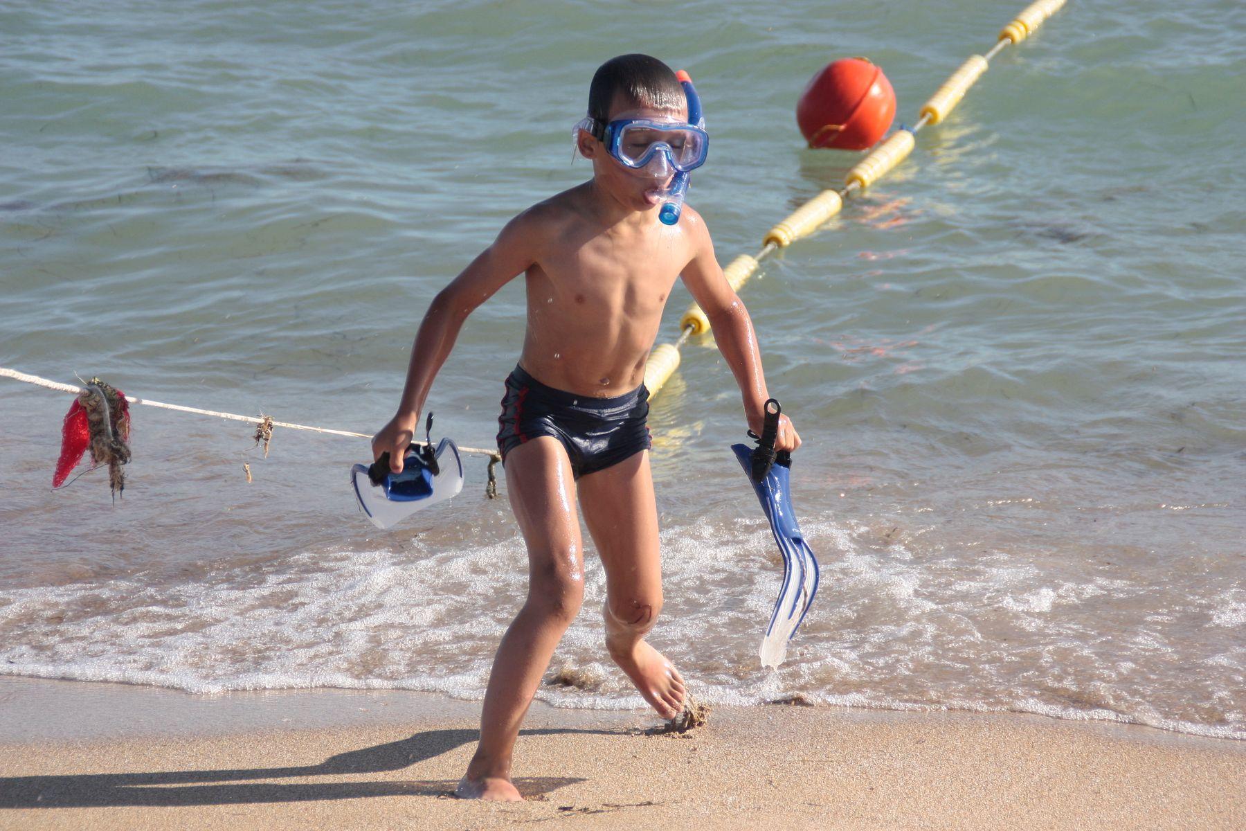 **Ныряльщик* Море Мальчик Лето Пляж