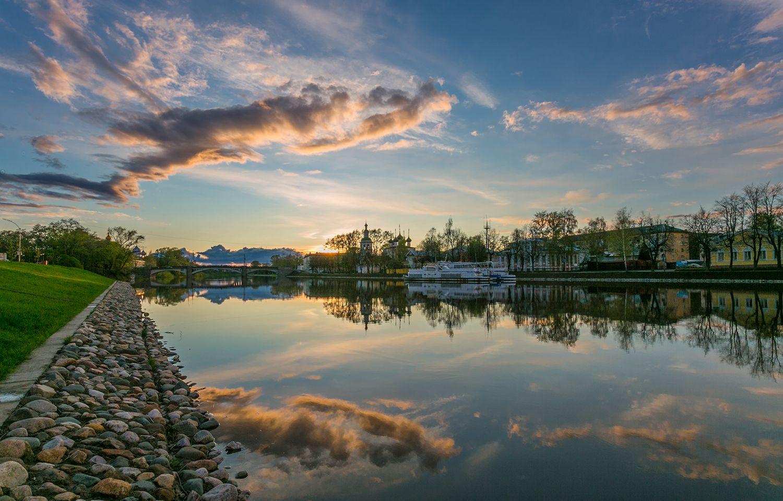 *** вологда закат весна река