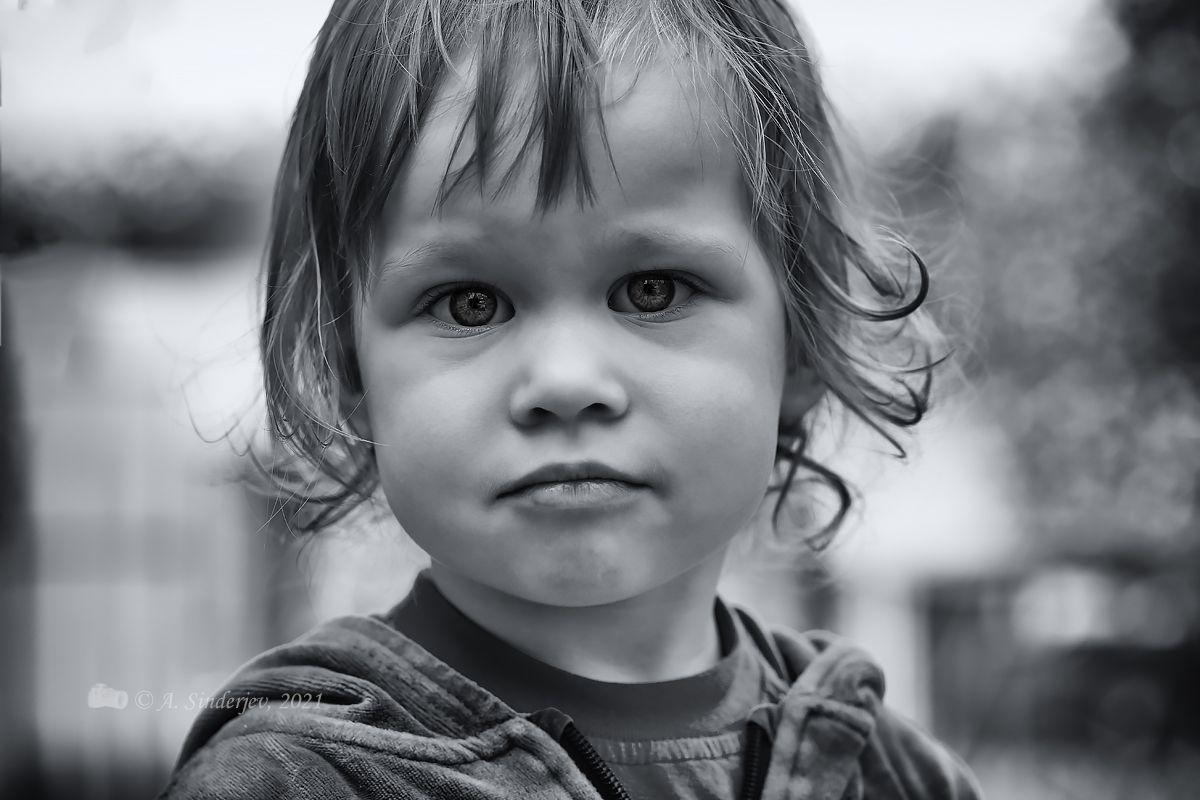 Девочкин портрет ребёнок девочка детский портрет монохром