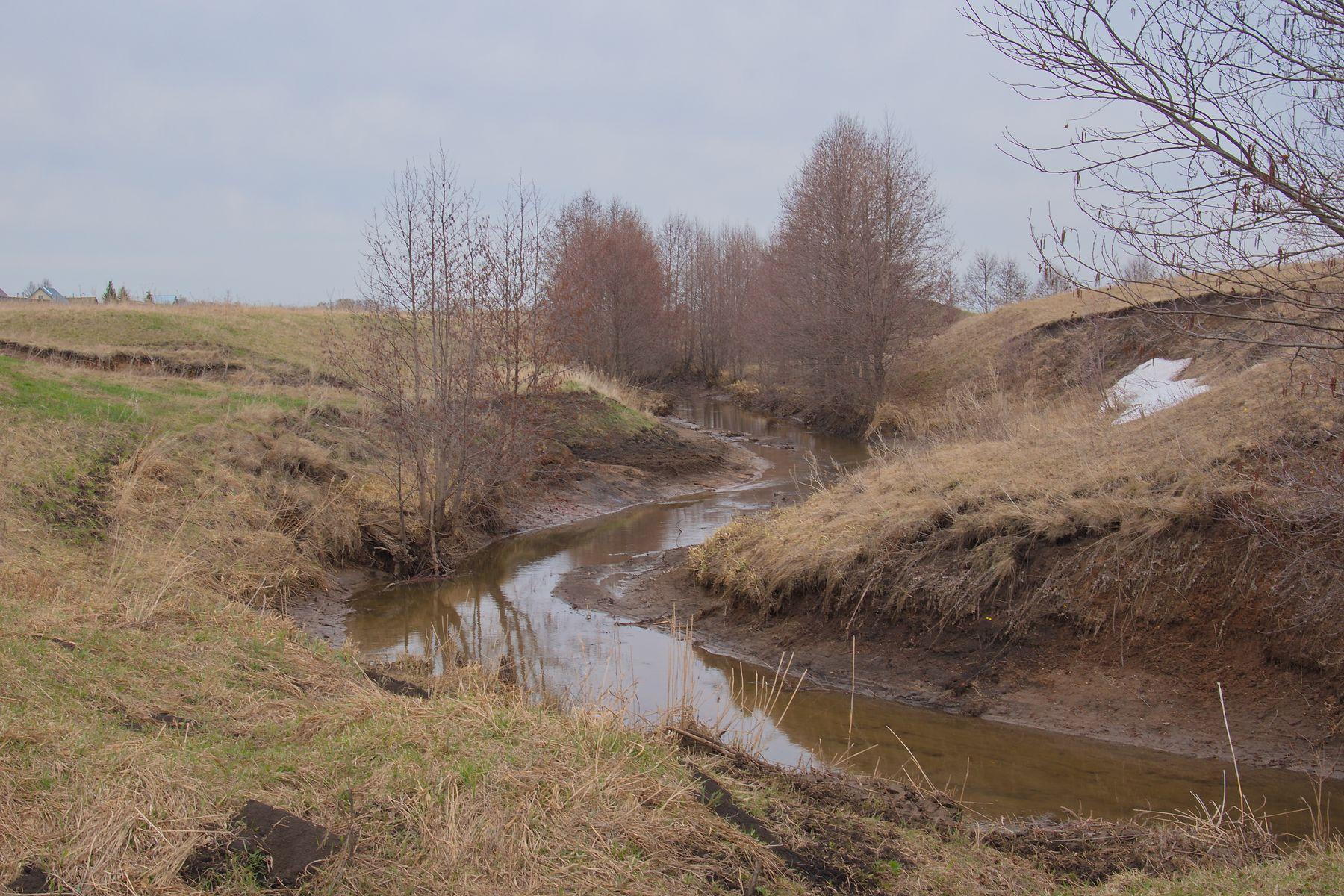 Обмелевшая речка Явбаза.