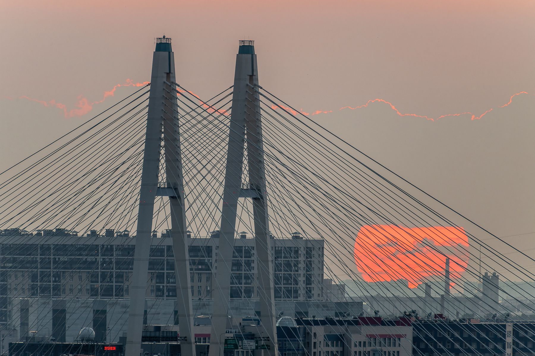 Закат с тучами санкт-петербург вантовый мост солнце лето закат