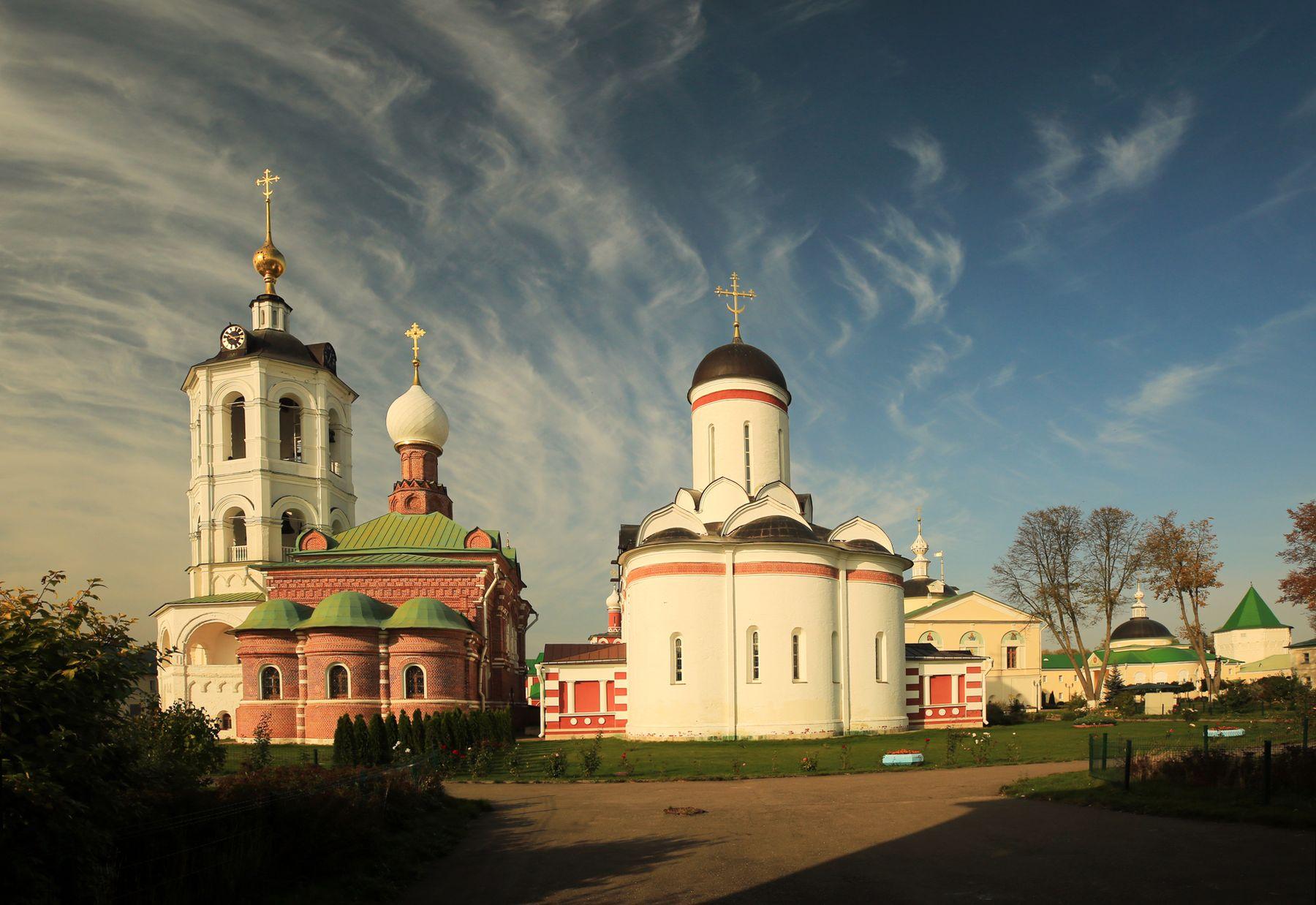 Утренние храмы Пешношский монастырь храмы утро